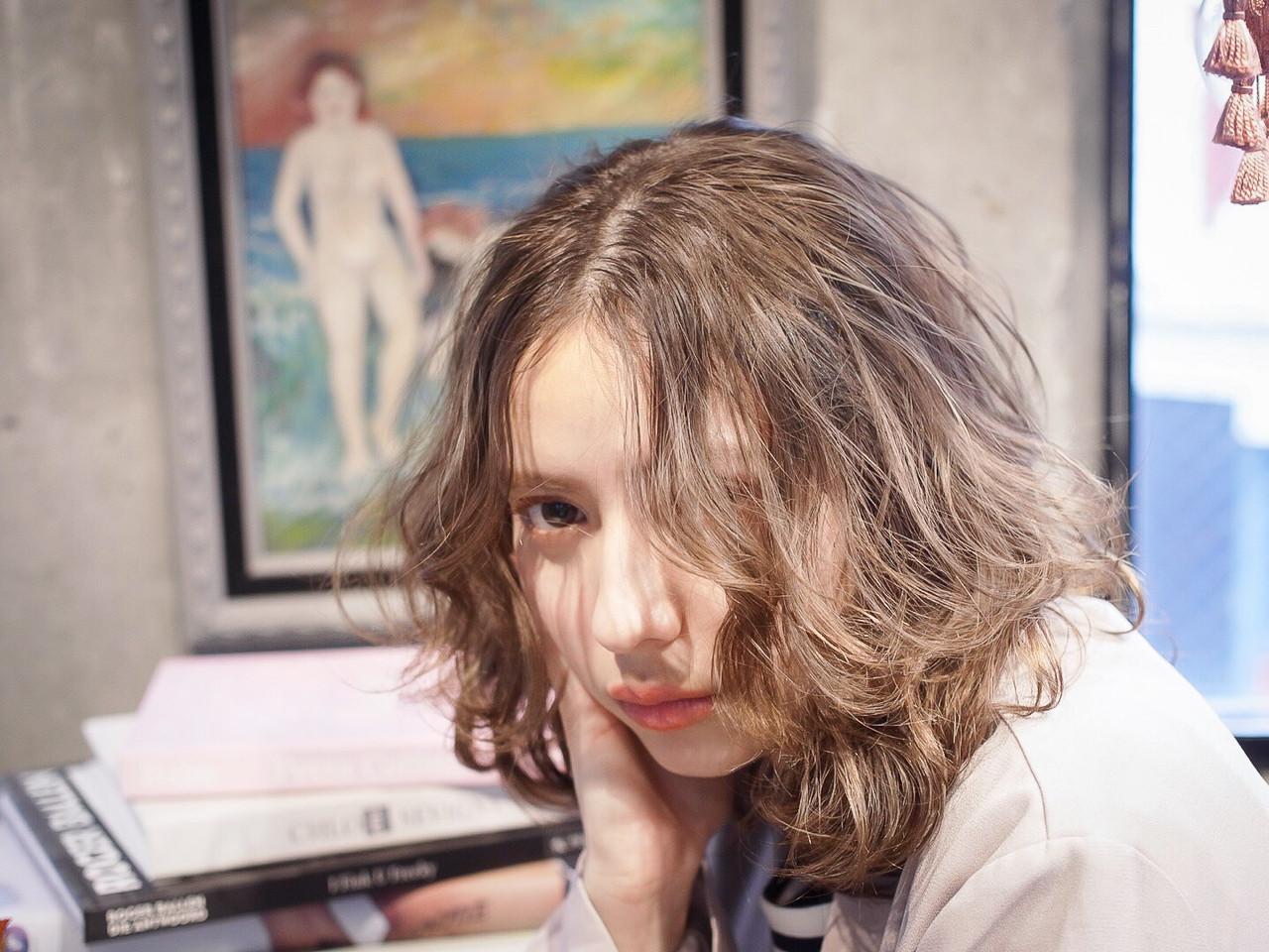 ガーリー 抜け感 ベージュ ナチュラル ヘアスタイルや髪型の写真・画像