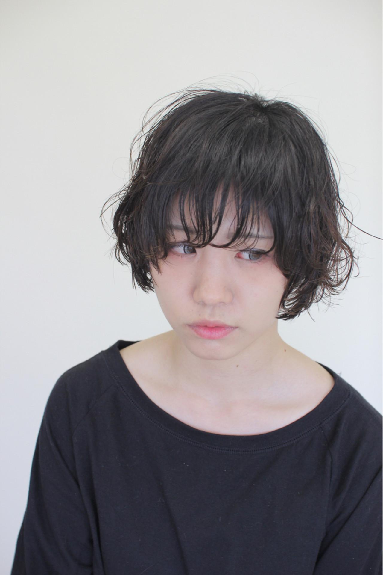 パーマ ナチュラル アンニュイ ショート ヘアスタイルや髪型の写真・画像