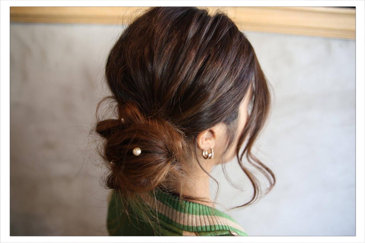 ルーズ ロング シニヨン 大人女子 ヘアスタイルや髪型の写真・画像