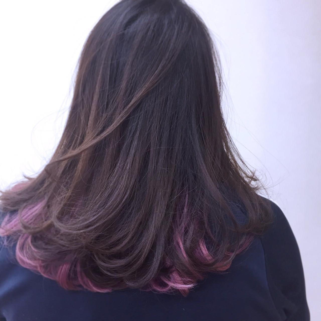インナーカラー アッシュ 冬 パープル ヘアスタイルや髪型の写真・画像