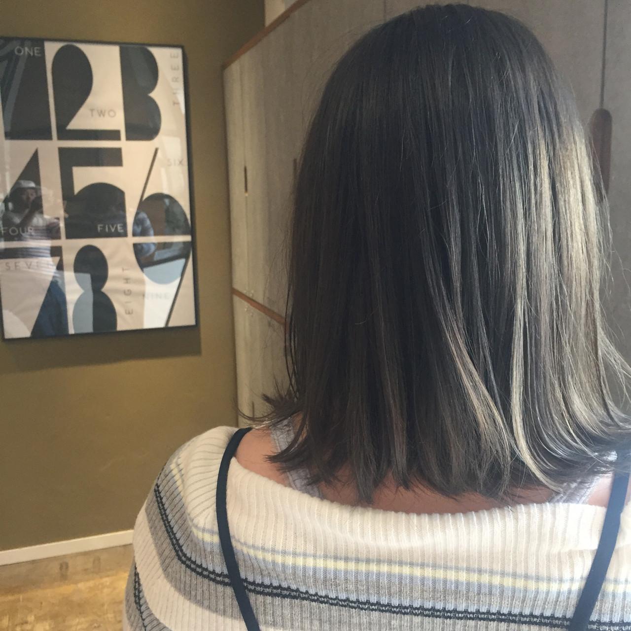 イルミナカラー ブルージュ アッシュグレー ストリート ヘアスタイルや髪型の写真・画像
