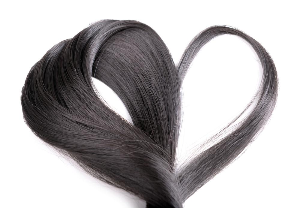 斜めにカットするザクザクバングが可愛いすぎ♡失敗しない前髪の切り方を伝授