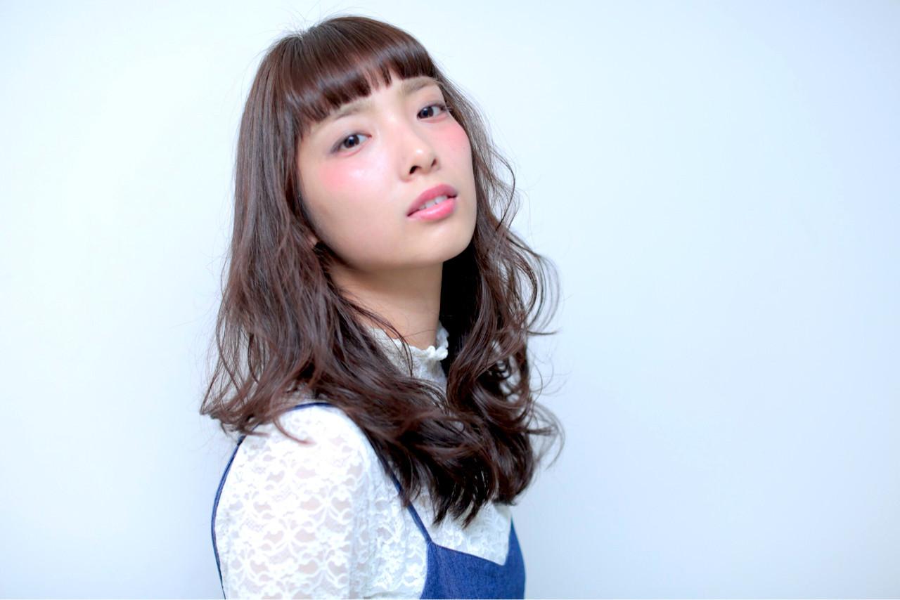 前髪がポイント!夜会巻きのアレンジまとめ♪初心者でも簡単にできるコツ Obayashi Natsumi