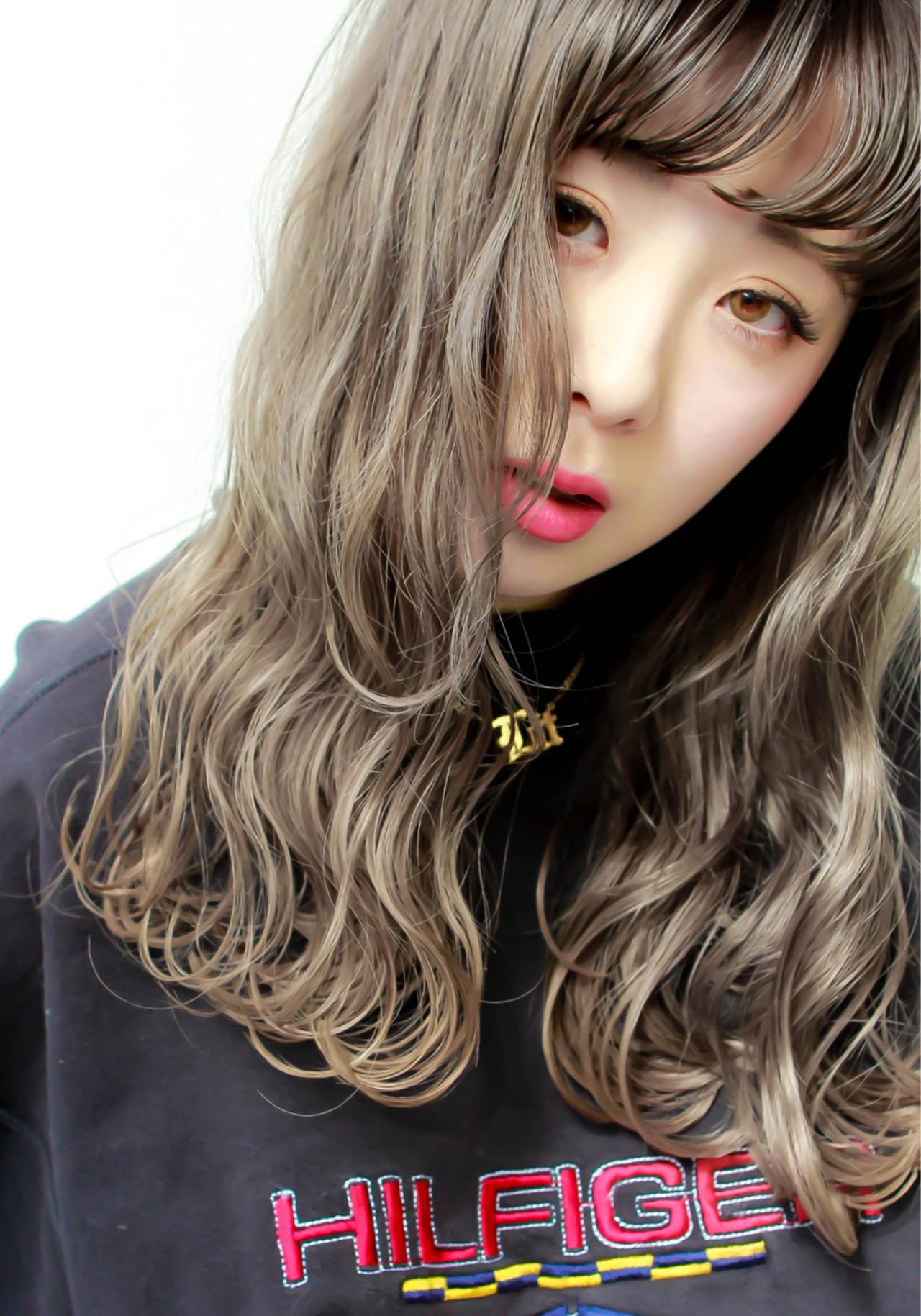 外国人風カラー ロング ベージュ グレージュ ヘアスタイルや髪型の写真・画像