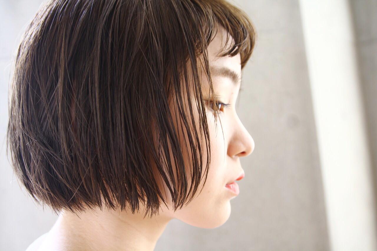 ボブ ウェットヘア 女子会 ショートバング ヘアスタイルや髪型の写真・画像