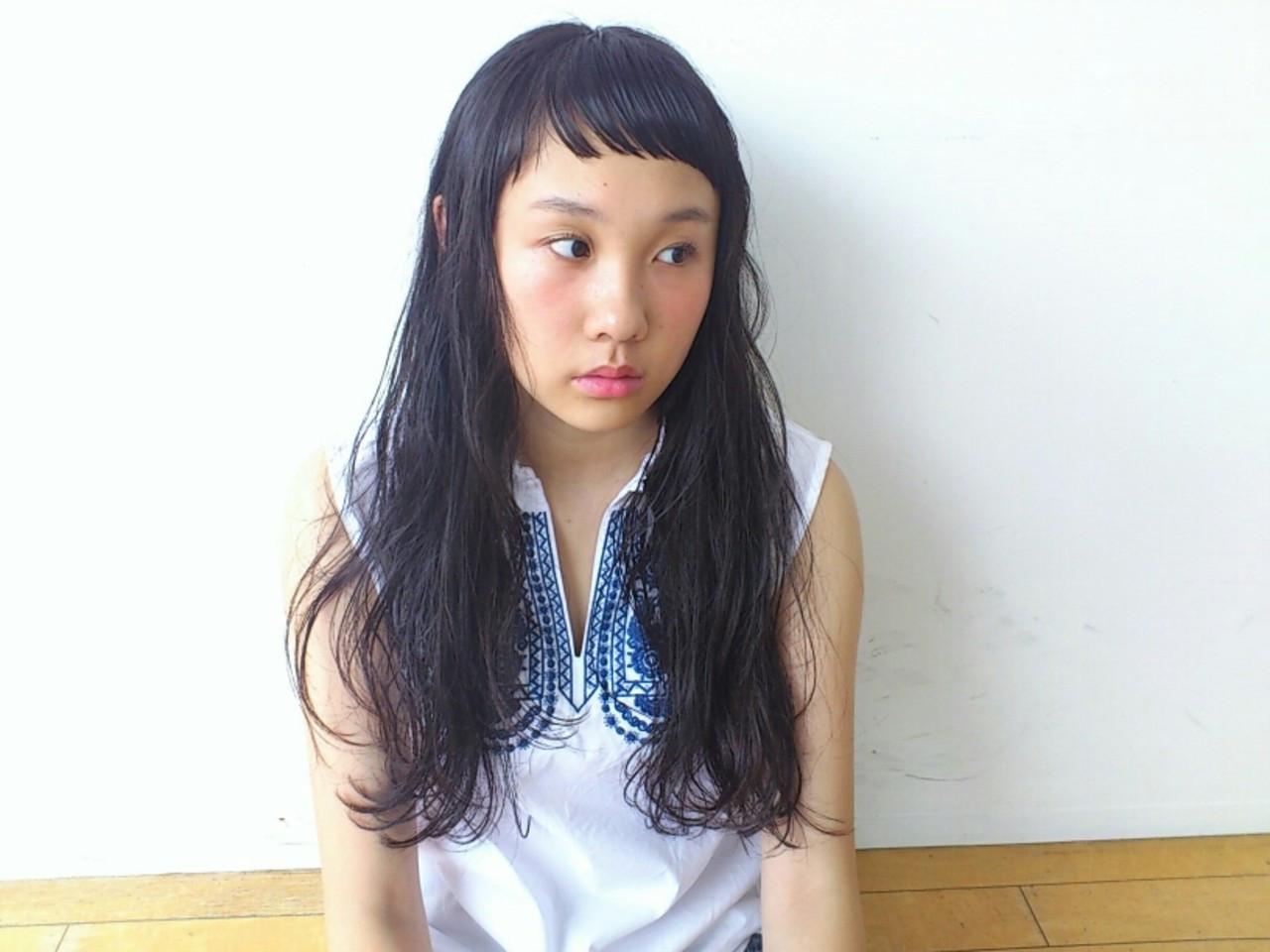 グレー系ヘアカラーが大人気!入りにくい髪色を上手く出すコツは? Yukie Horiuchi