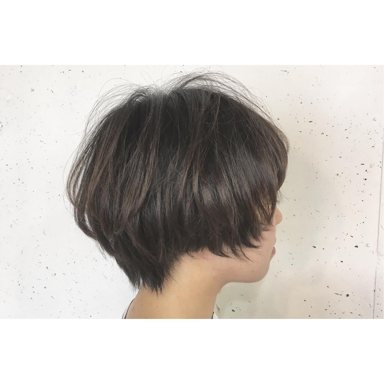 大人女子 オフィス ショート ナチュラル ヘアスタイルや髪型の写真・画像