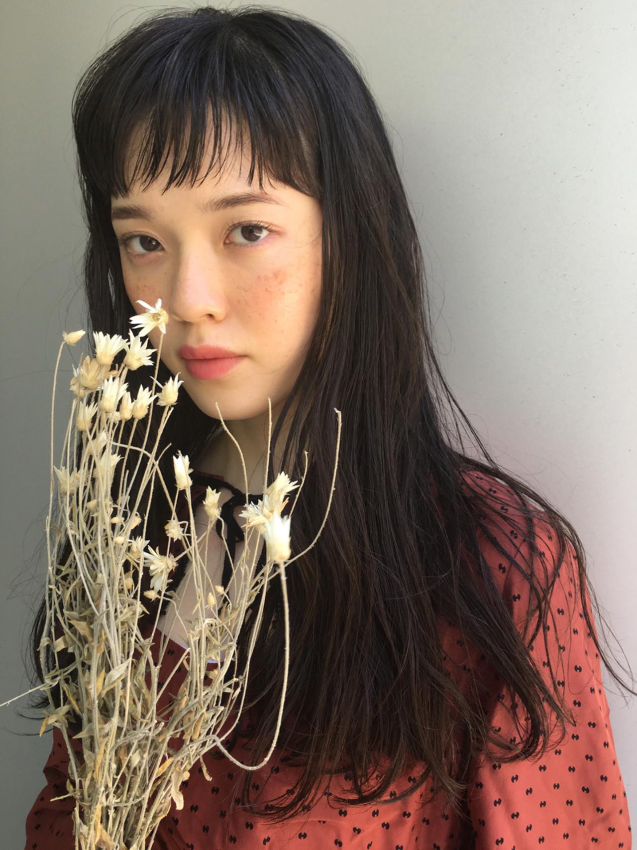 リラックス 女子会 パーマ セミロング ヘアスタイルや髪型の写真・画像