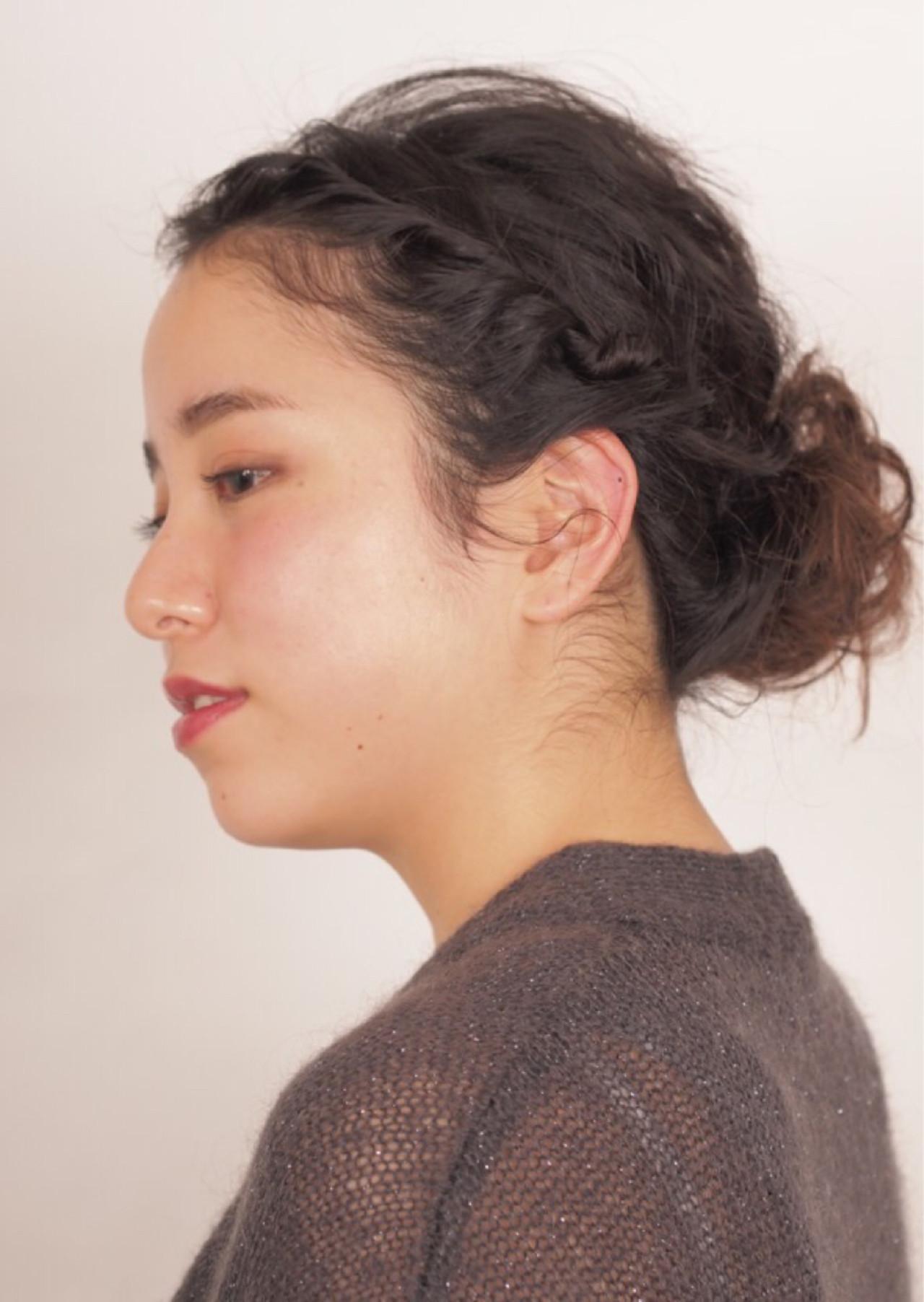 結婚式 二次会 パーティ シニヨン ヘアスタイルや髪型の写真・画像