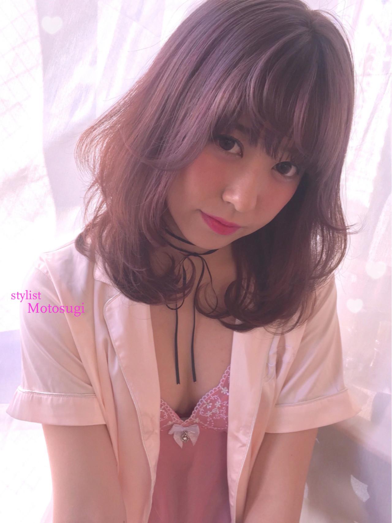 今注目のピンクグレージュカラー♡暗めも、明るめもかわいいって知ってた? 元杉 允駿 | Pia hair design