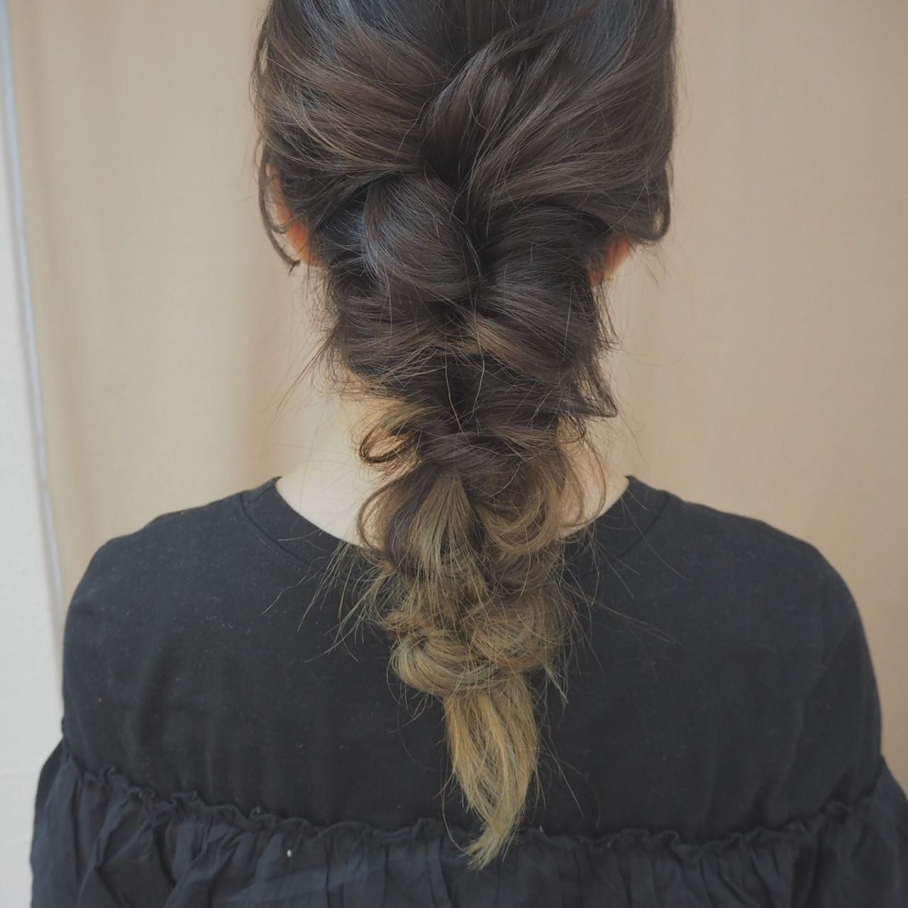 デート 簡単ヘアアレンジ くるりんぱ ナチュラル ヘアスタイルや髪型の写真・画像