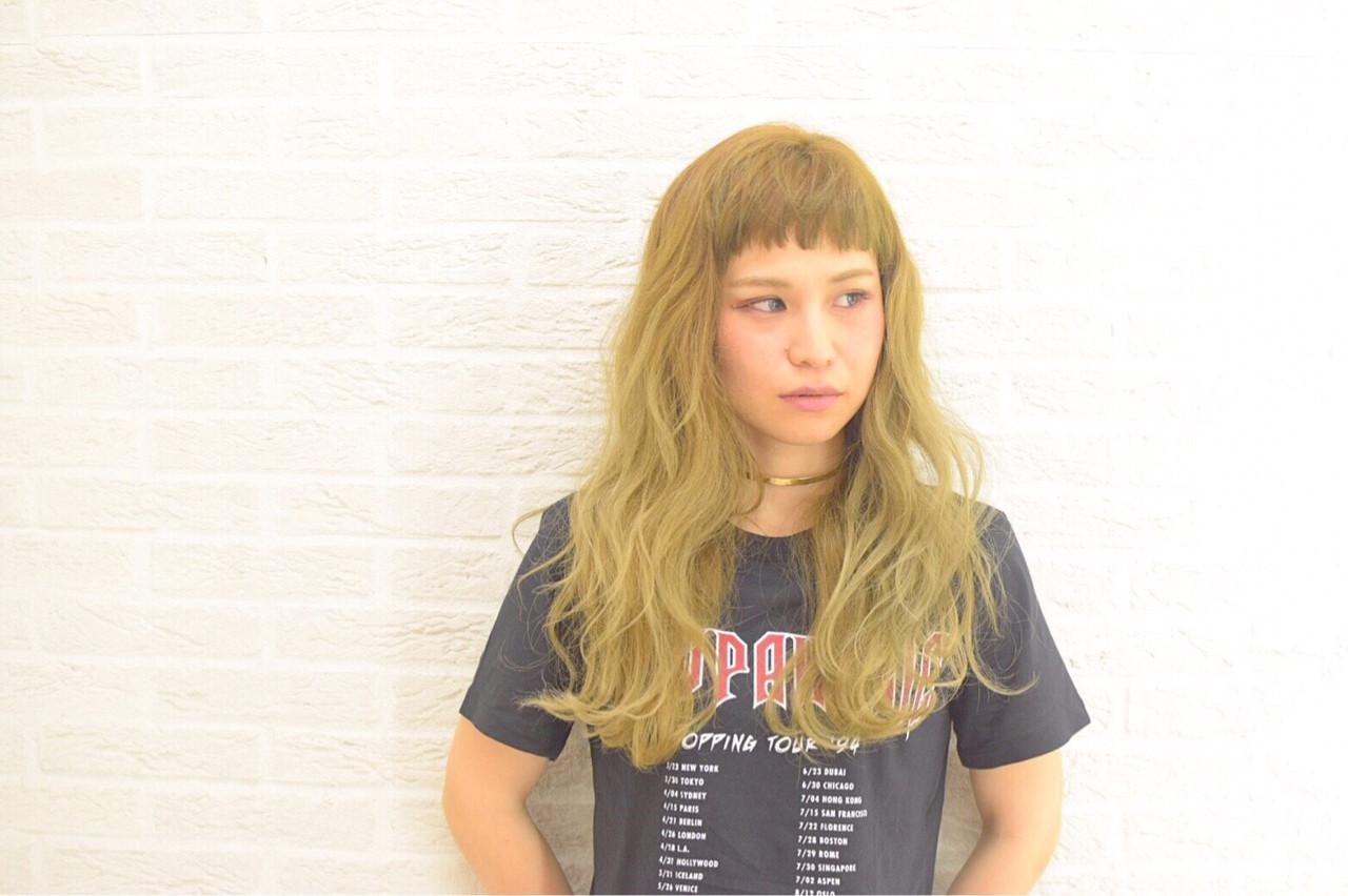 ウェーブ ロング アッシュ 外国人風 ヘアスタイルや髪型の写真・画像