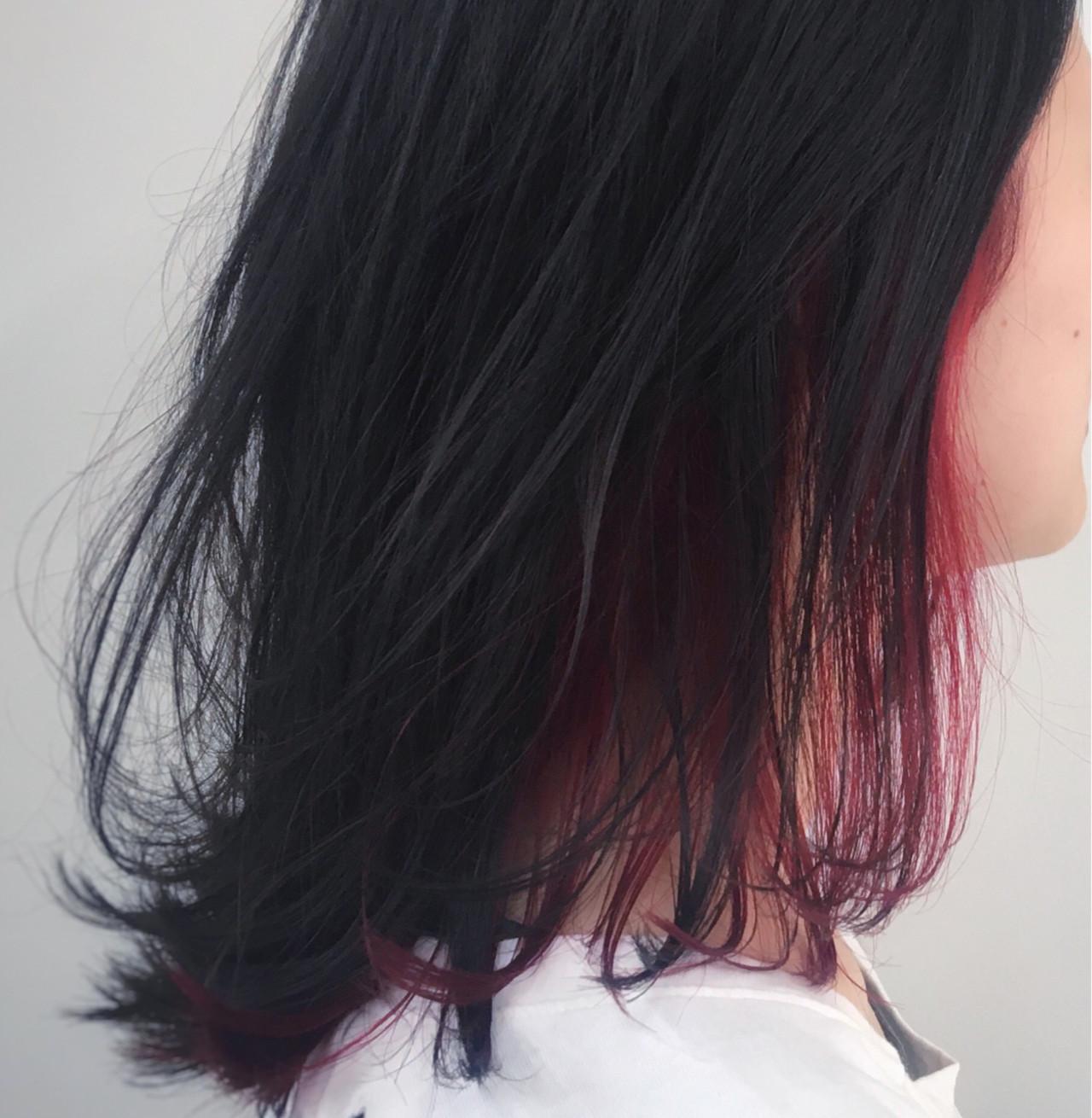 インナーカラー ミディアム レッド ストリート ヘアスタイルや髪型の写真・画像