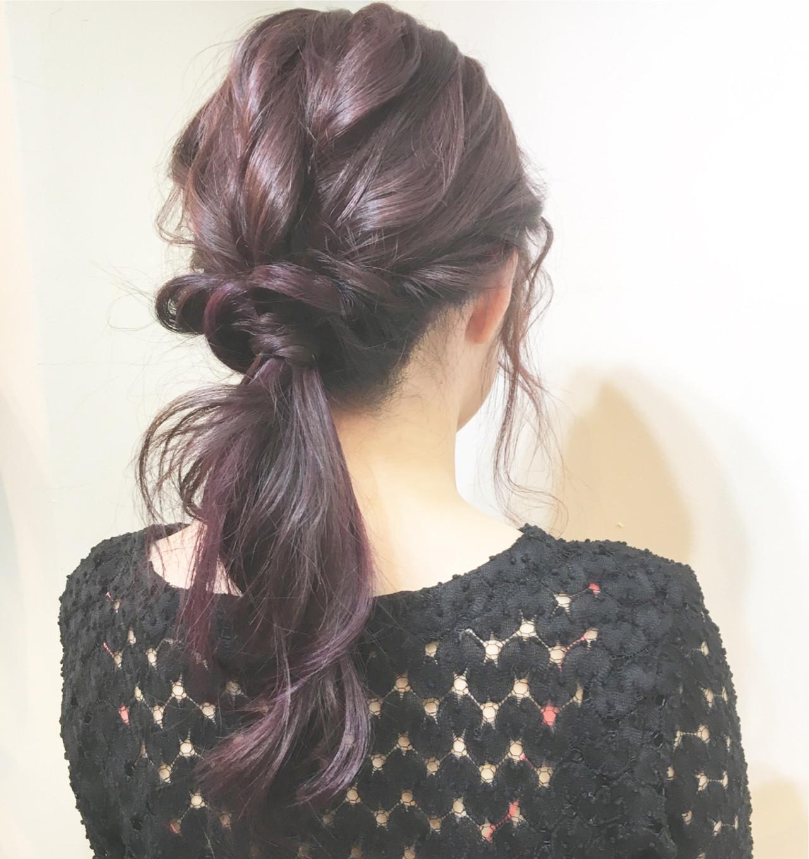 ミディアム ベリーピンク リラックス ナチュラル ヘアスタイルや髪型の写真・画像