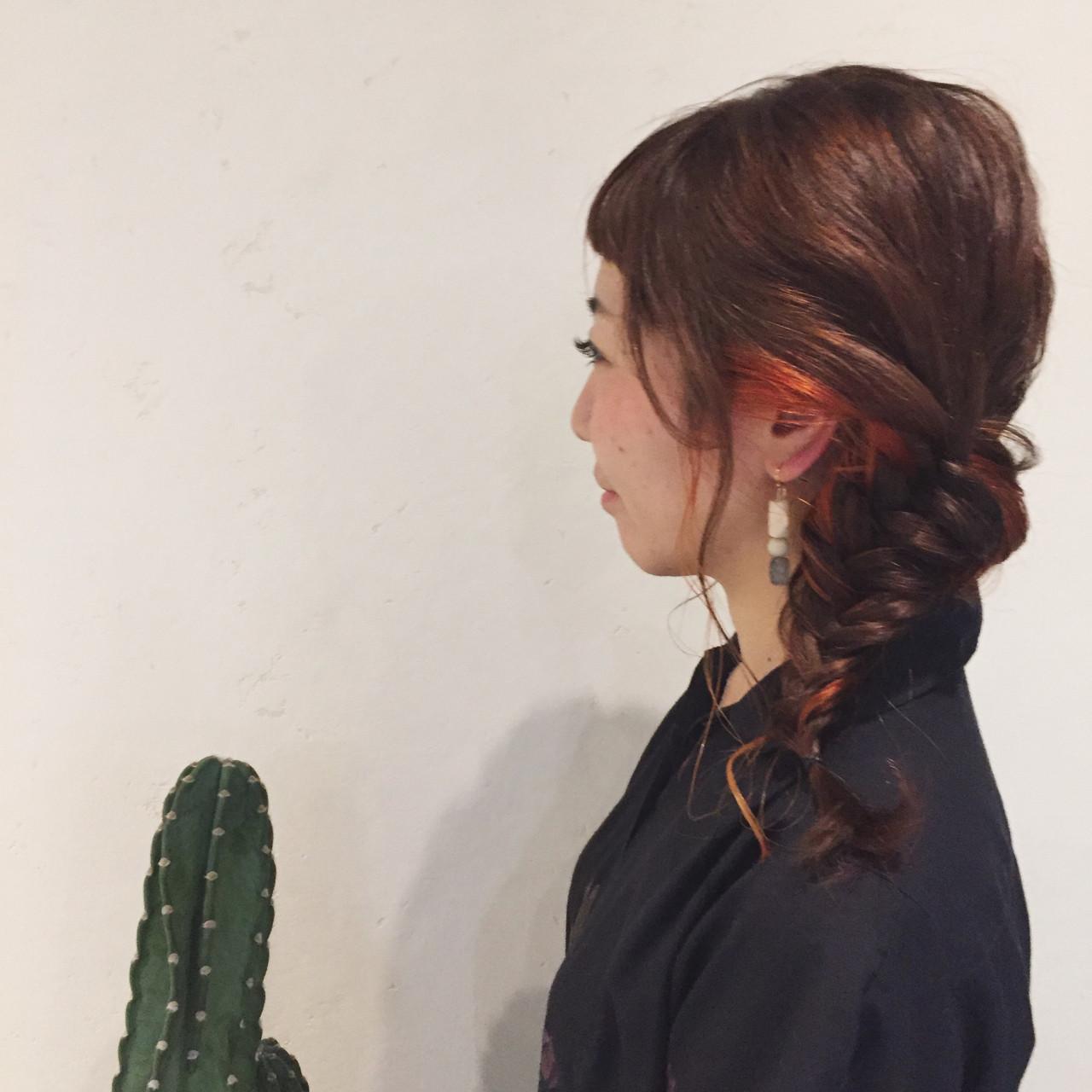 ナチュラル フィッシュボーン 編み込み パーマ ヘアスタイルや髪型の写真・画像