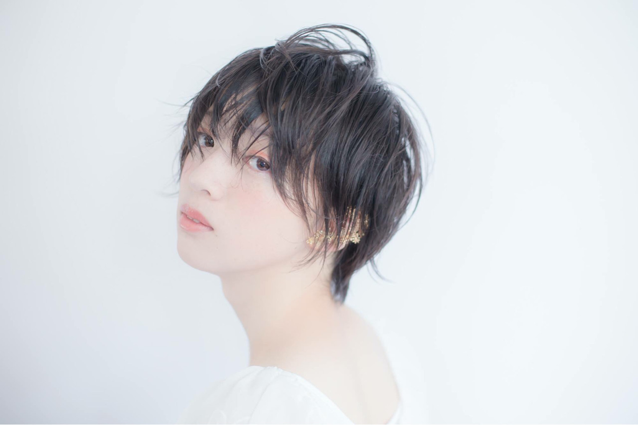 アンニュイ 涼しげ ナチュラル かっこいい ヘアスタイルや髪型の写真・画像