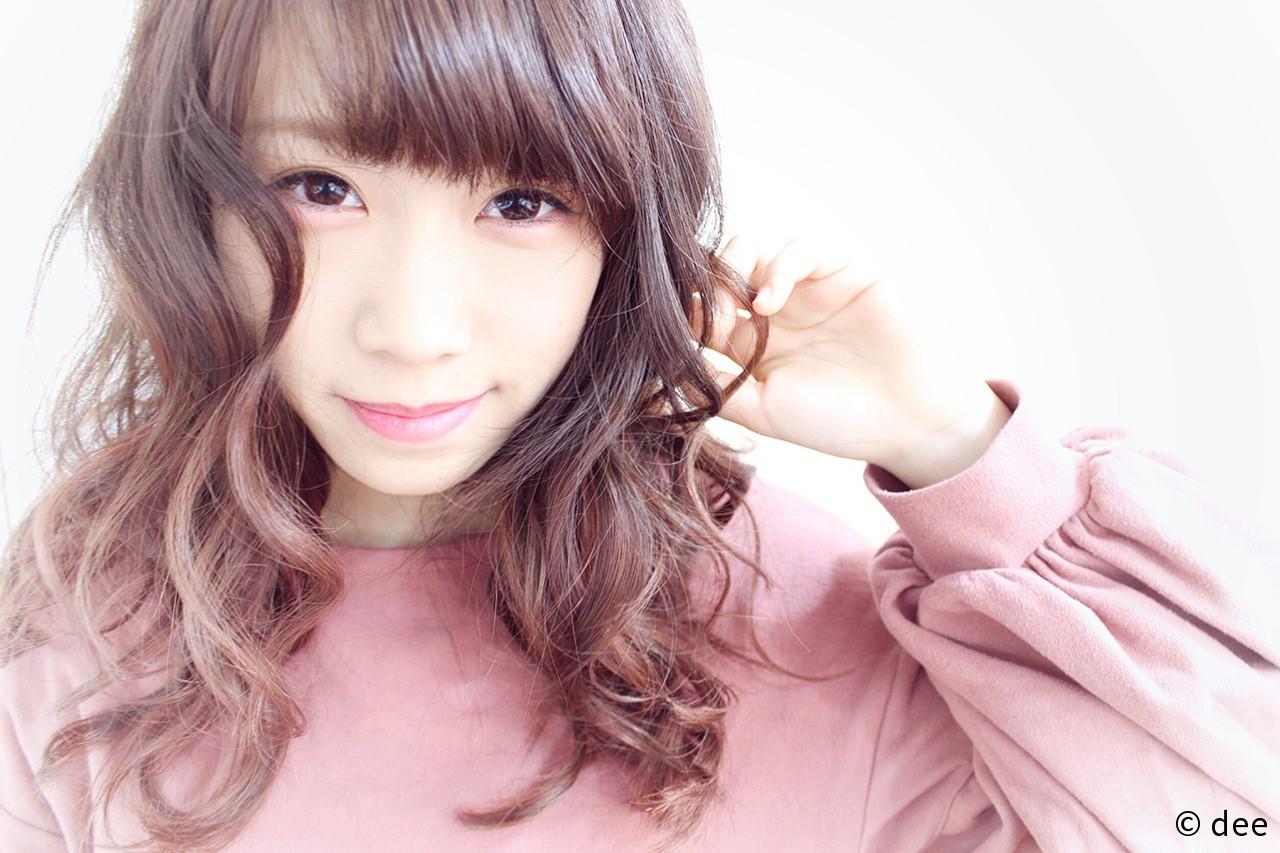 ピンク ロング ベージュ ガーリー ヘアスタイルや髪型の写真・画像