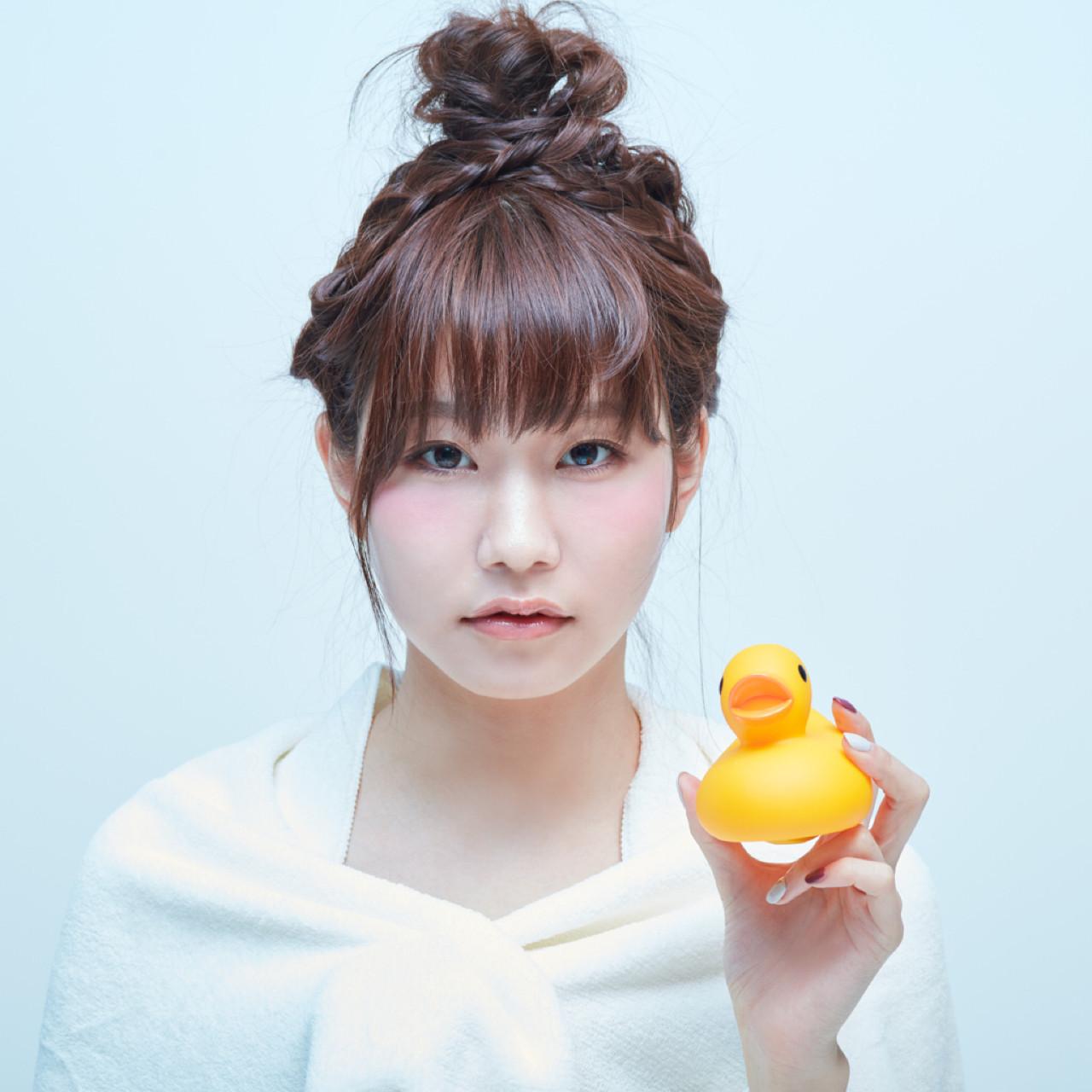 セミロング ガーリー 簡単ヘアアレンジ ショート ヘアスタイルや髪型の写真・画像