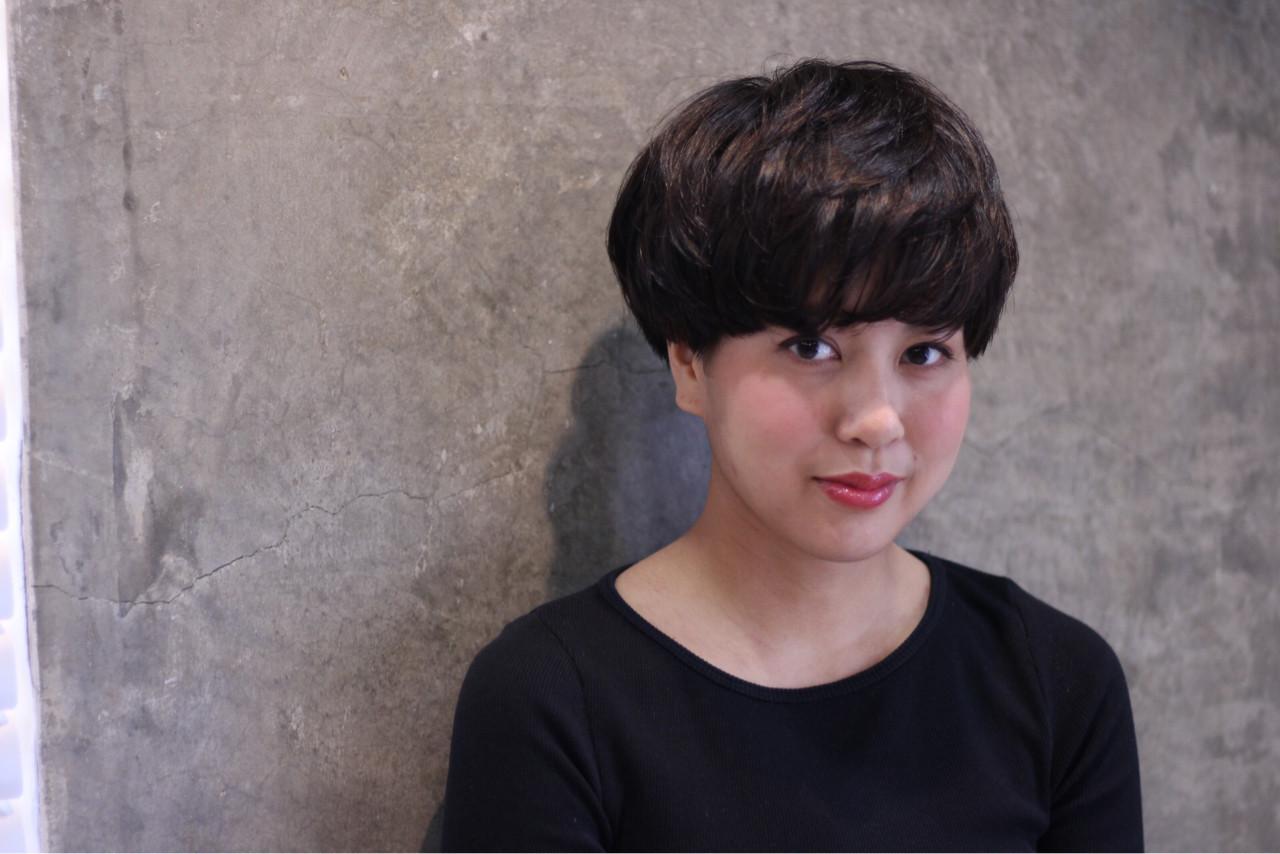ナチュラル 黒髪 ショート ハイライト ヘアスタイルや髪型の写真・画像