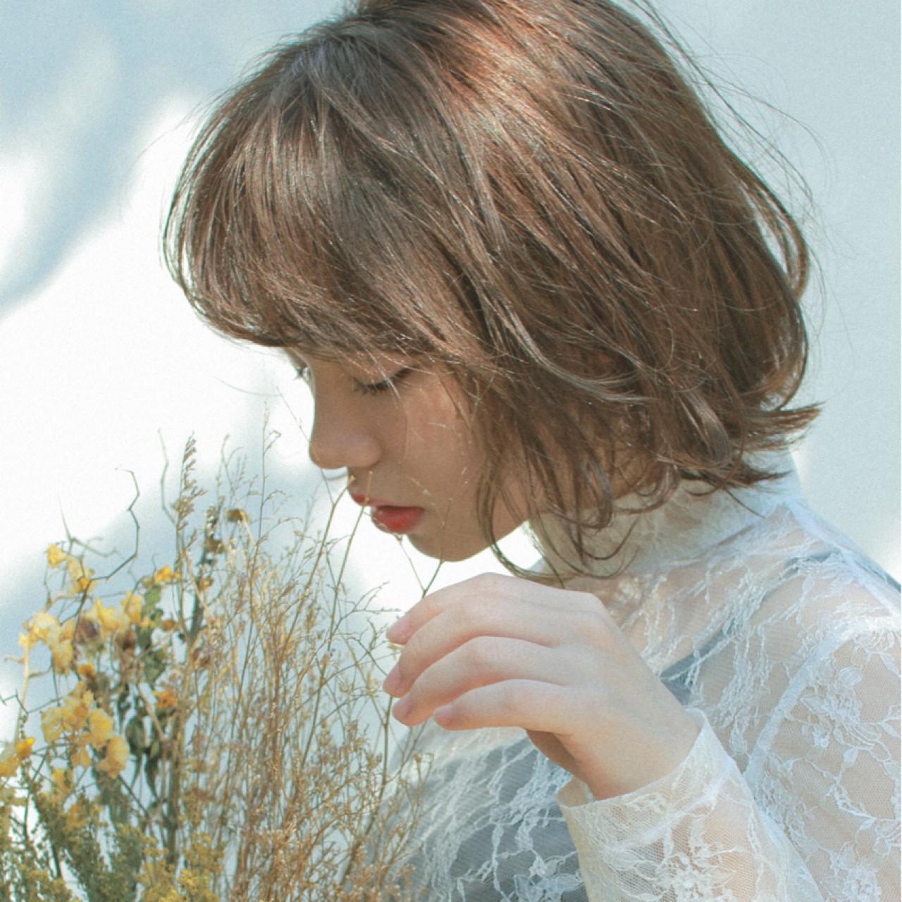アンニュイ ウェーブ ガーリー フリンジバング ヘアスタイルや髪型の写真・画像