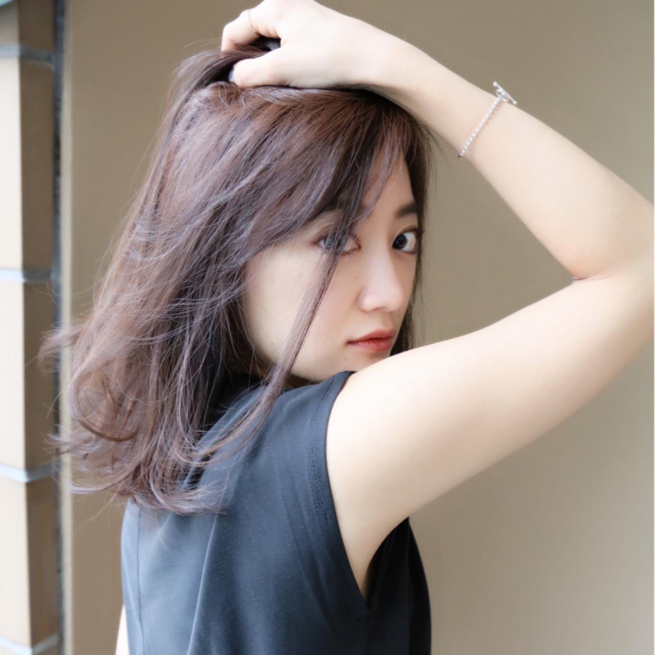 パーマ ニュアンス ミディアム ゆるふわ ヘアスタイルや髪型の写真・画像