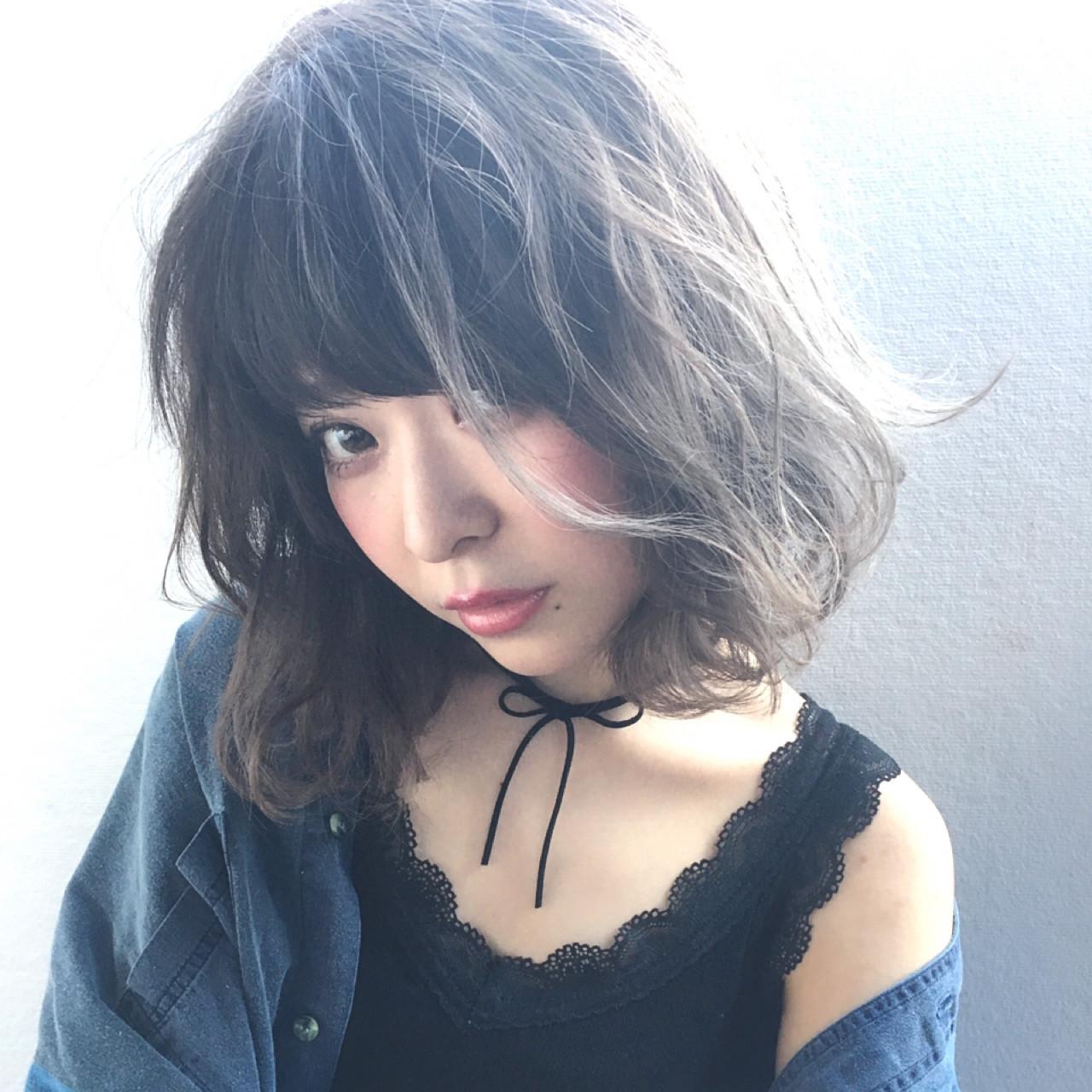 アンニュイ アッシュグレージュ グレージュ フェミニン ヘアスタイルや髪型の写真・画像