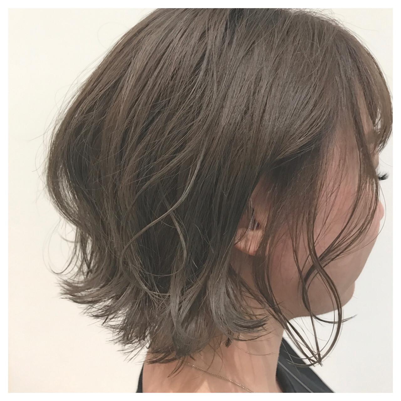 グレー ルーズ ボブ モテ髪 ヘアスタイルや髪型の写真・画像