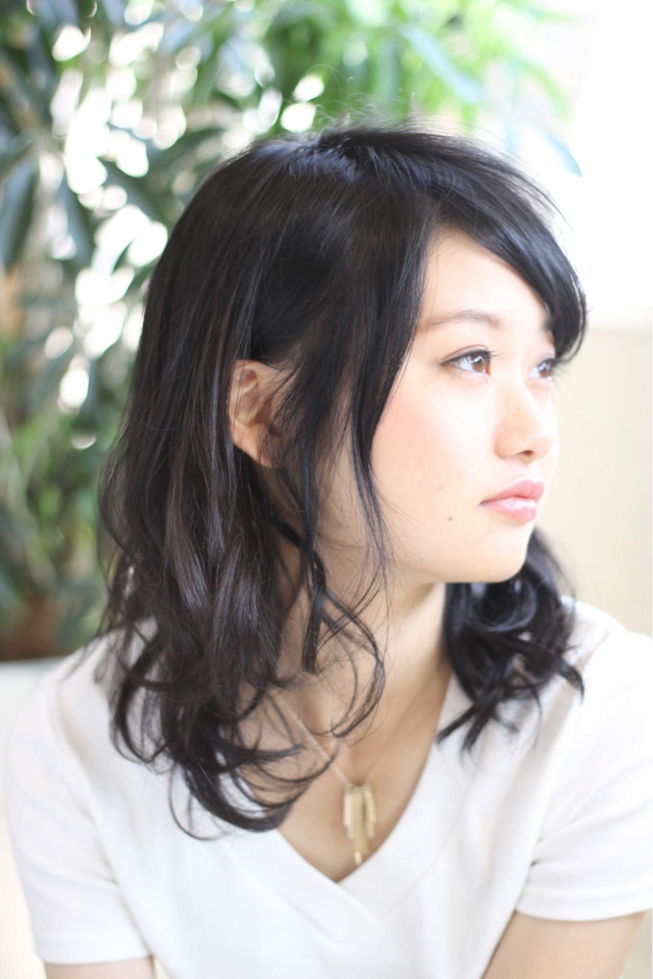 フェミニン コンサバ オフィス 黒髪 ヘアスタイルや髪型の写真・画像