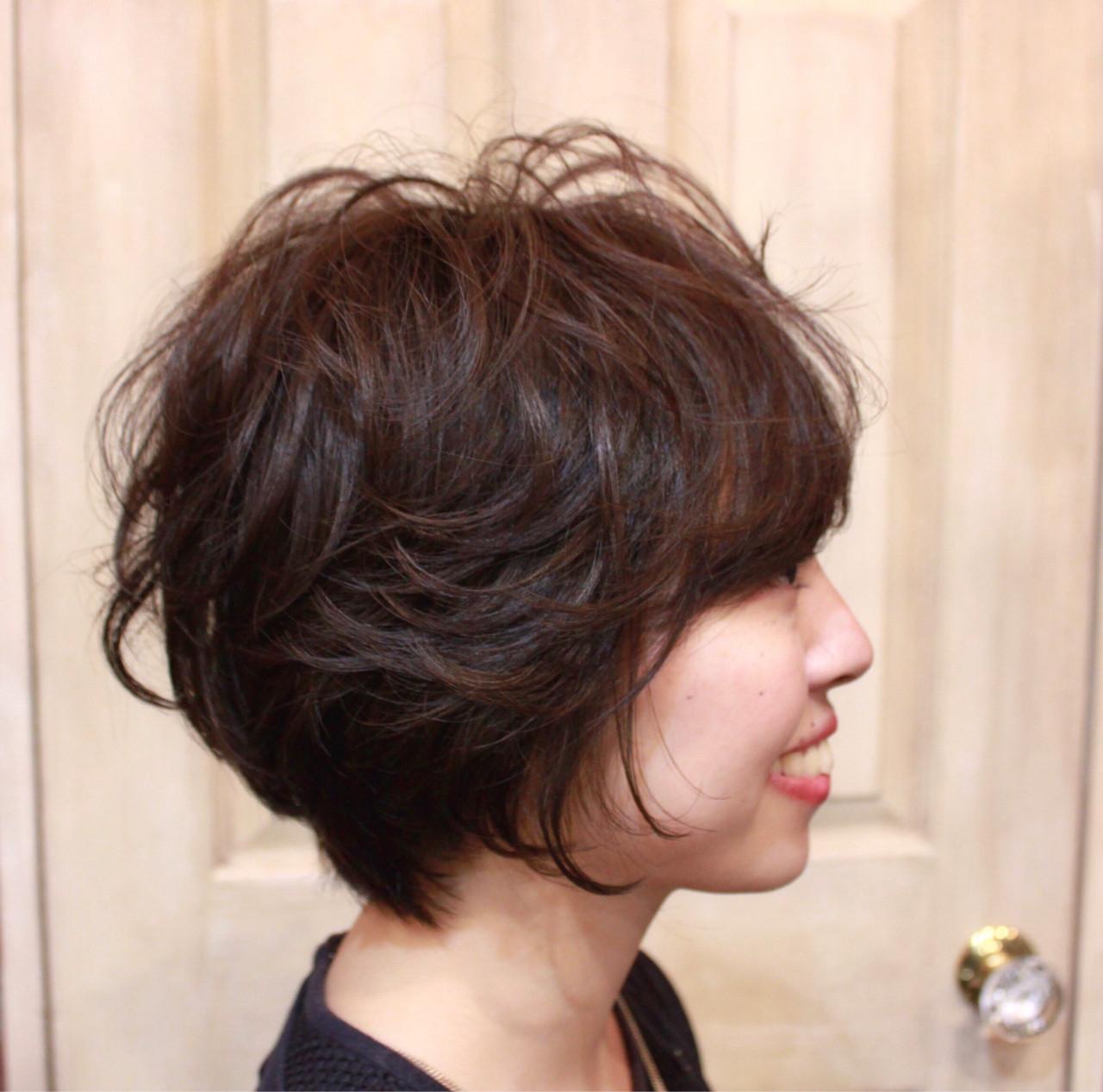 小顔 斜め前髪 ショート パーマ ヘアスタイルや髪型の写真・画像