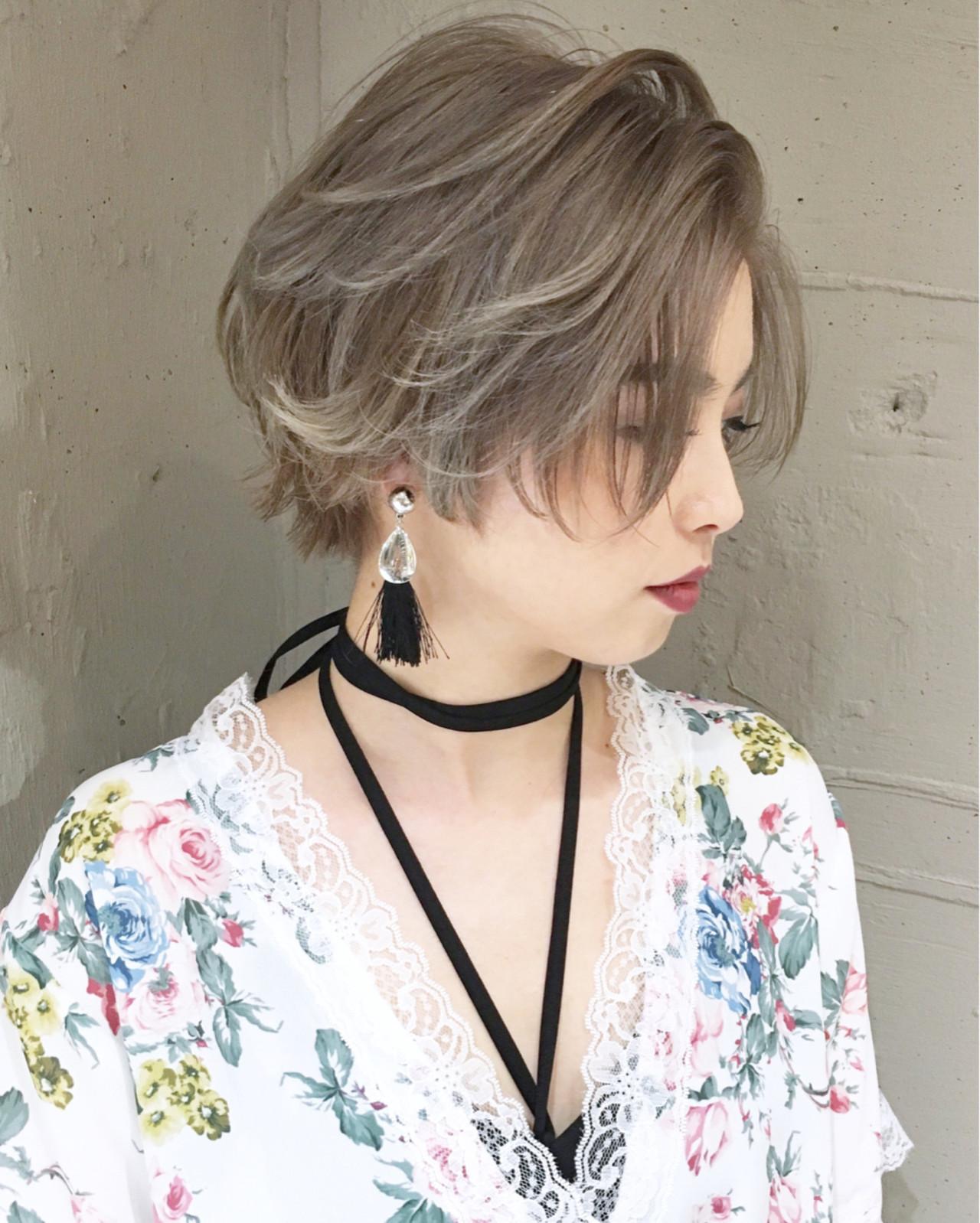 ショート ストリート 外国人風 グレージュ ヘアスタイルや髪型の写真・画像