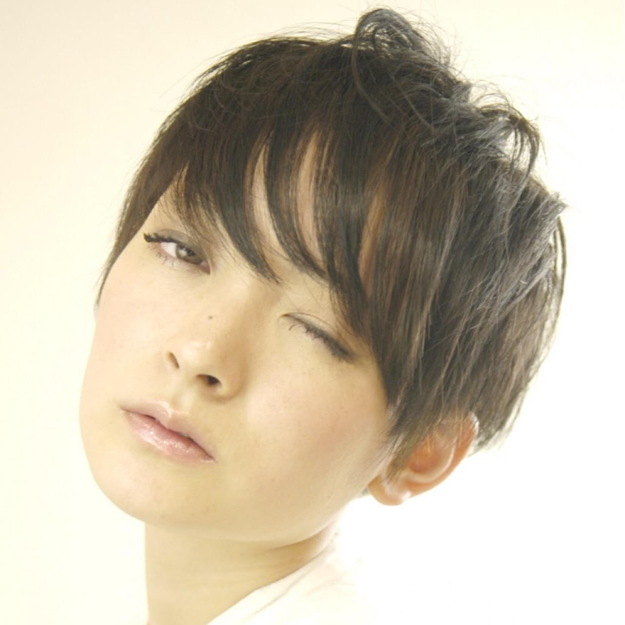 ナチュラル ショートボブ 斜め前髪 色気 ヘアスタイルや髪型の写真・画像