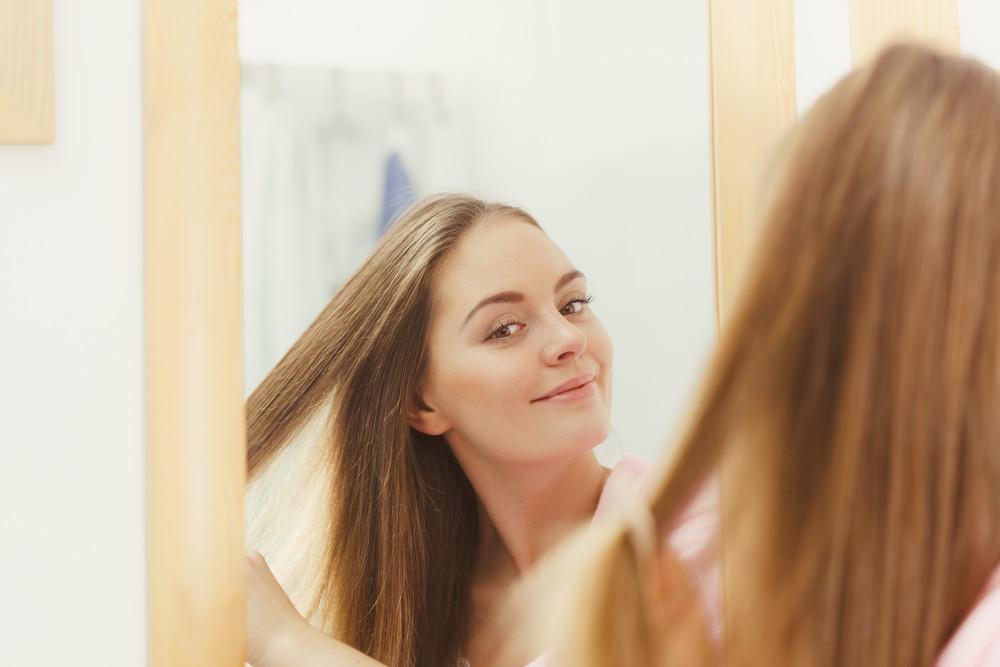 【初心者でも簡単!】アイロンで流し前髪をつくる方法♡