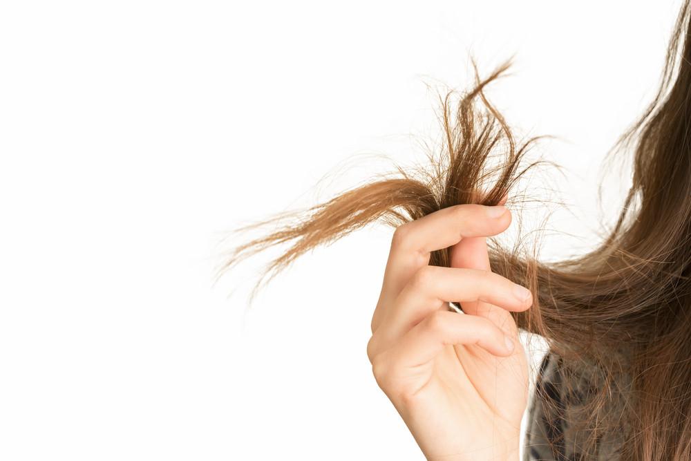 気になる髪の毛の痛み!原因を知ってダメージを防ぐ方法とは?