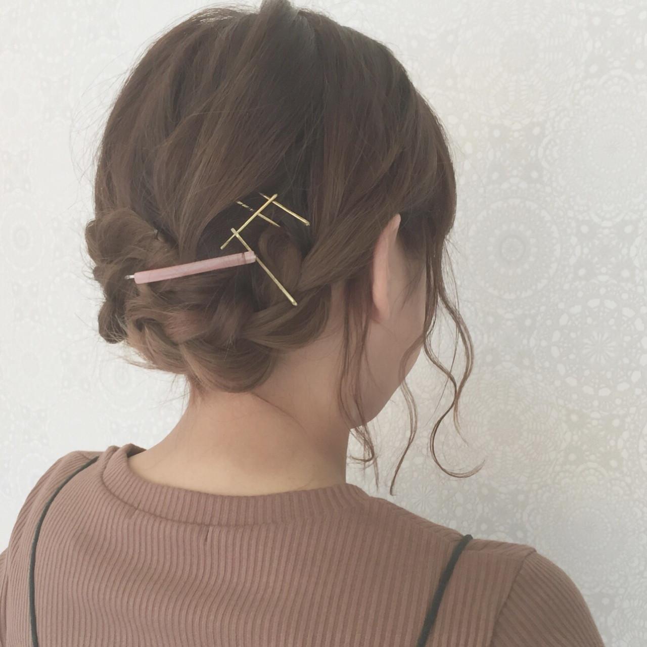オフィスでも◎大人かわいい♡前髪が長いからこそのアレンジまとめ 石井美那