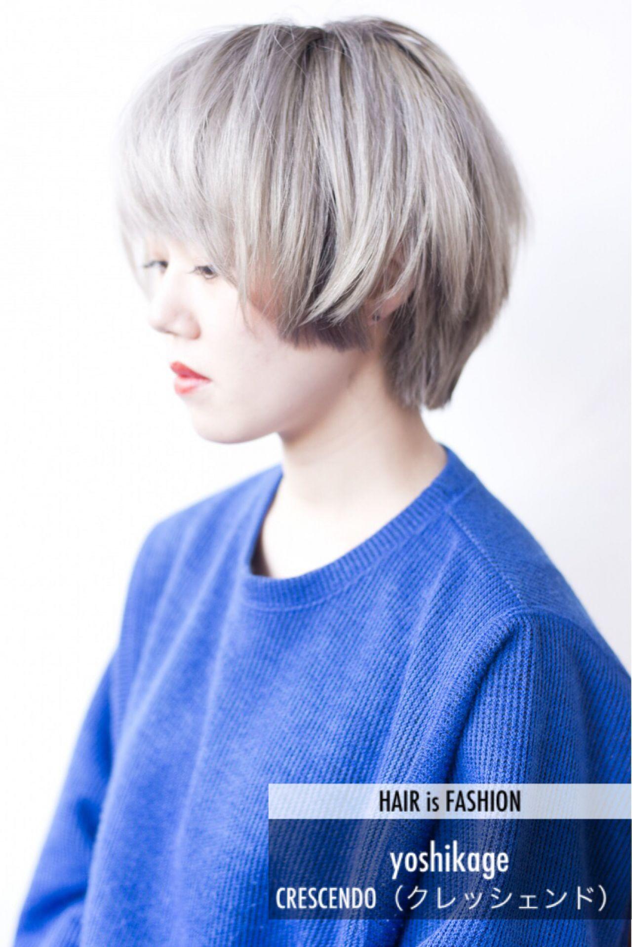 ショート ホワイト ブリーチ シルバー ヘアスタイルや髪型の写真・画像