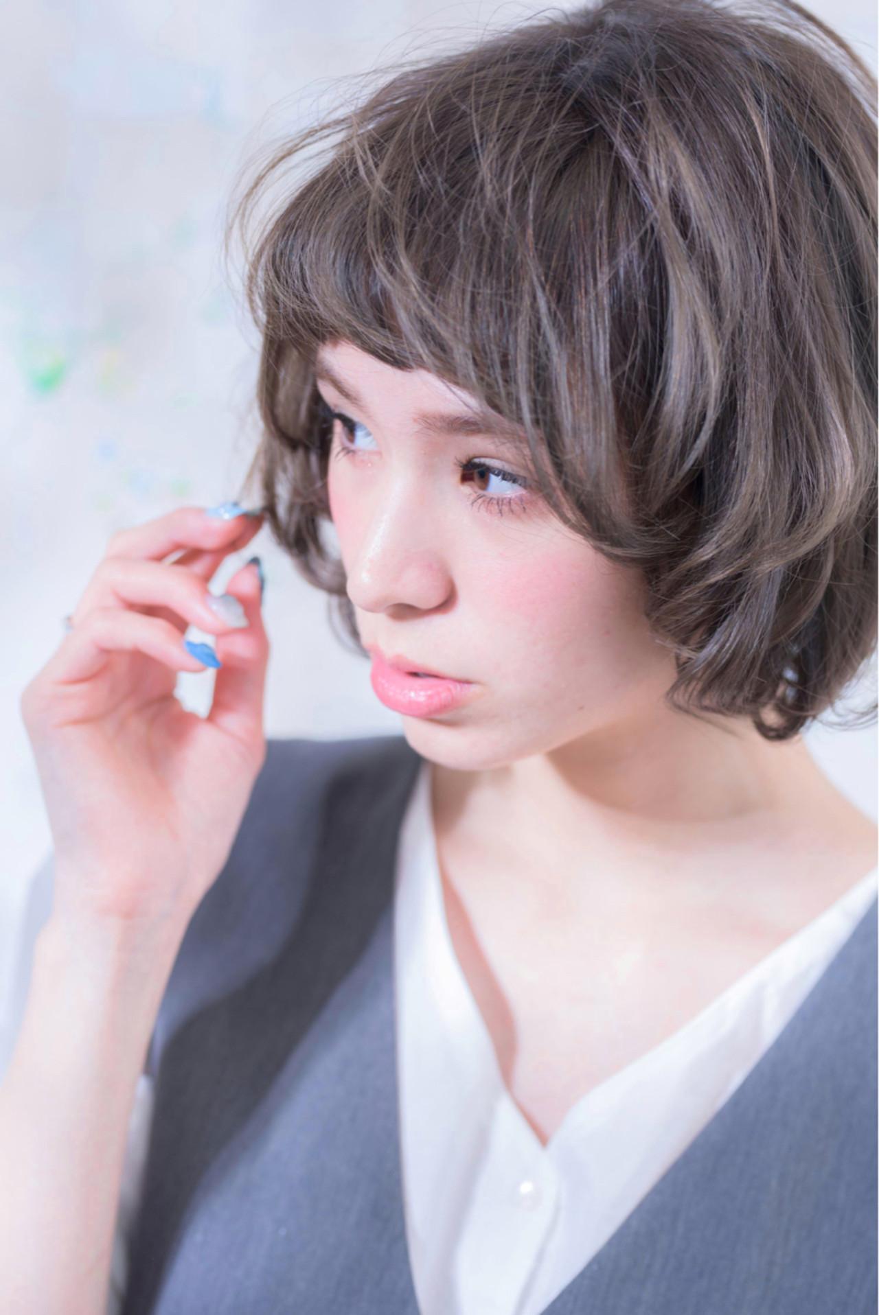 透明感 グレーアッシュ マッシュ ハイライト ヘアスタイルや髪型の写真・画像