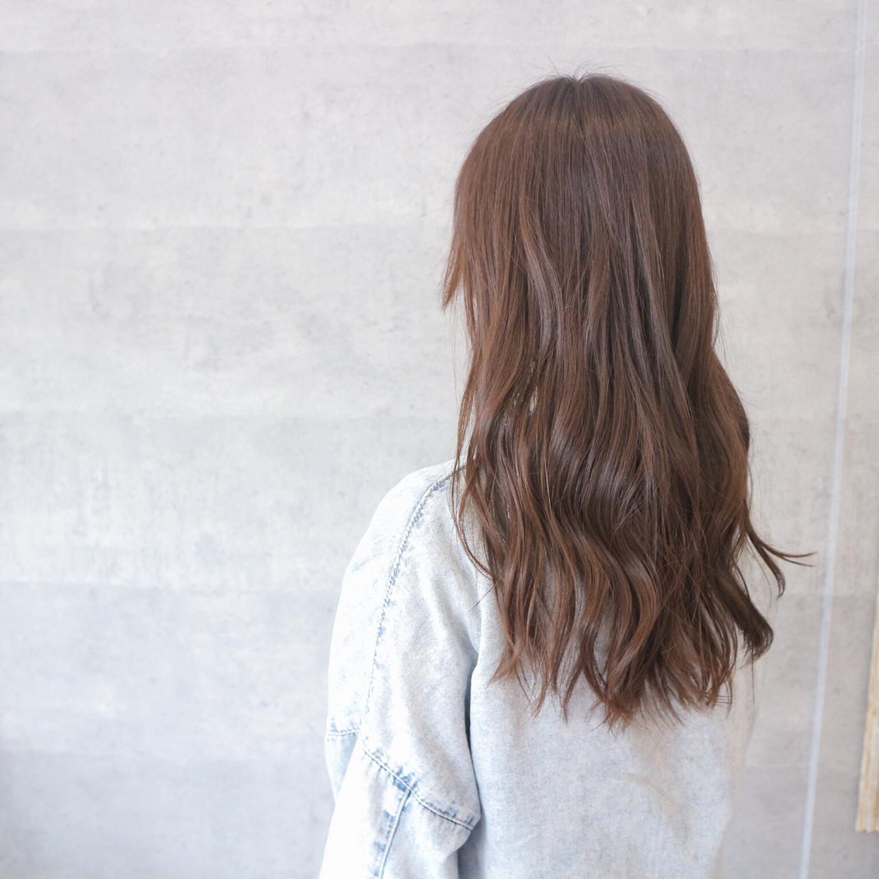 艶髪 ウェーブ デート アンニュイ ヘアスタイルや髪型の写真・画像