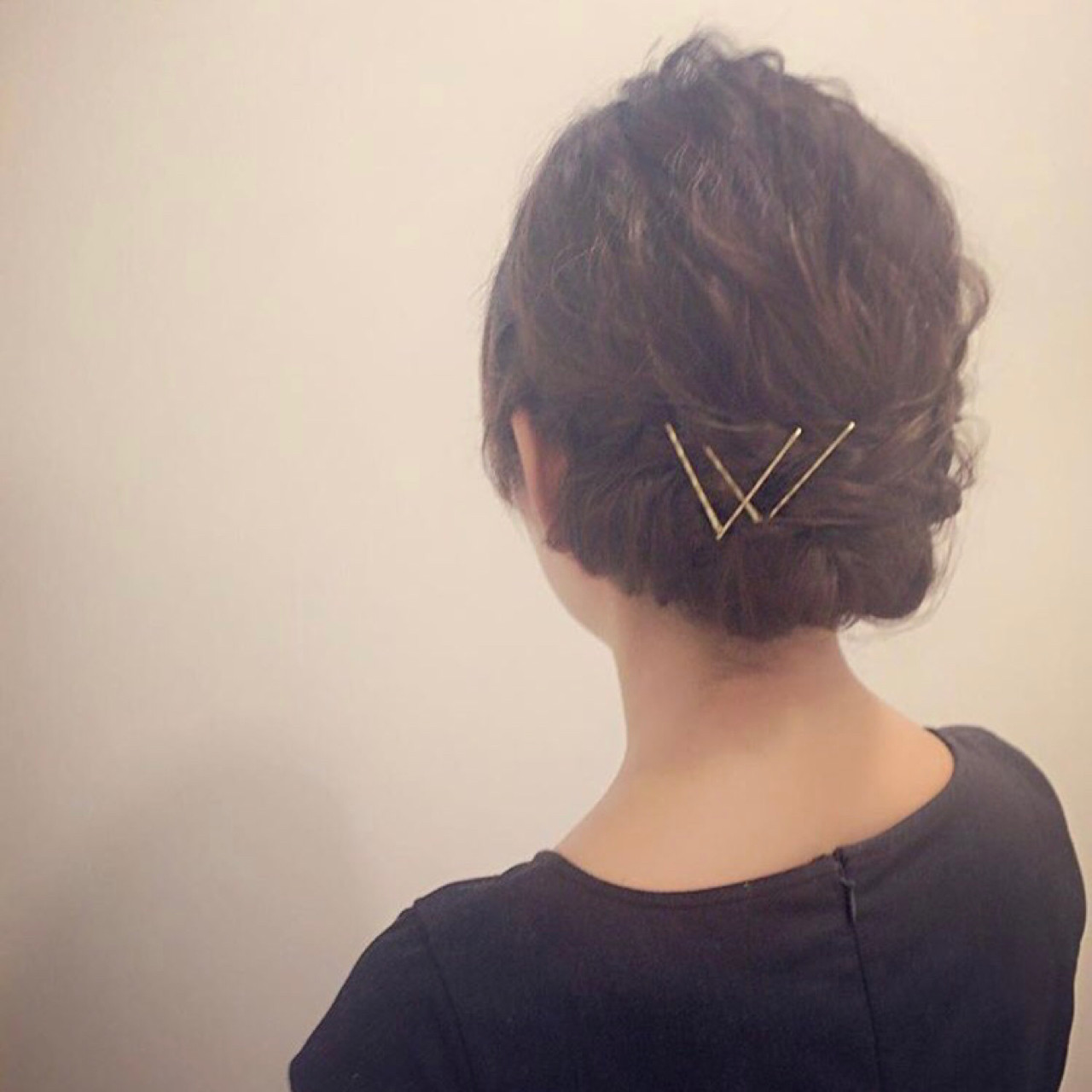 ウェーブ ミディアム シニヨン ナチュラル ヘアスタイルや髪型の写真・画像