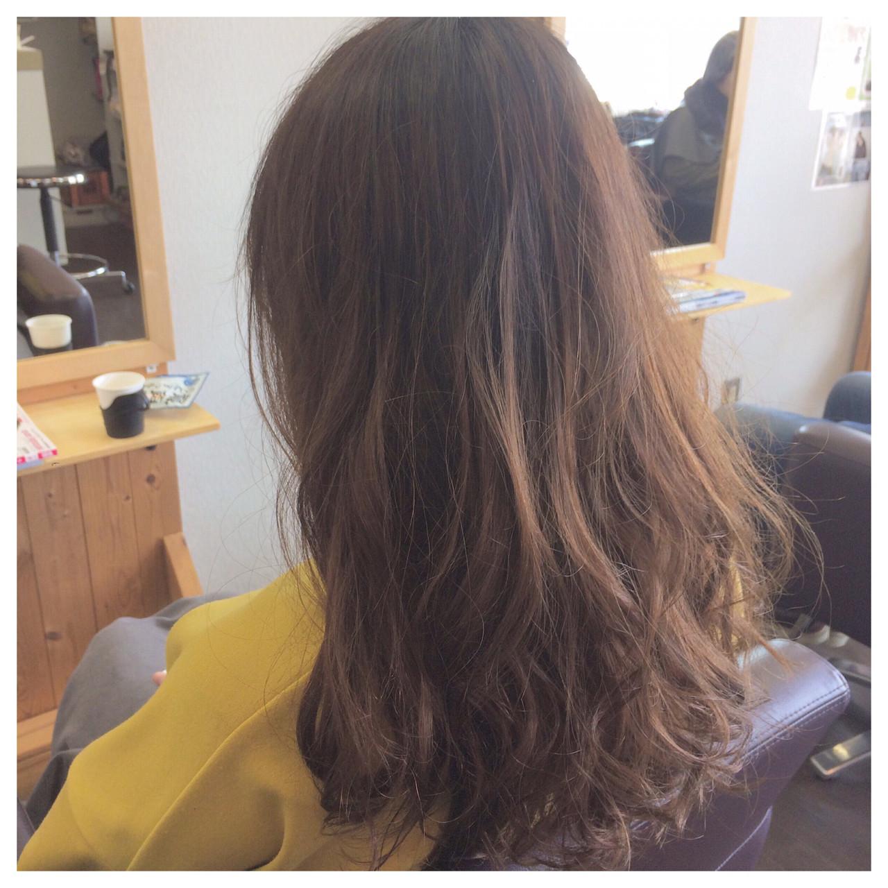 セミロング デジタルパーマ パーマ ゆるふわ ヘアスタイルや髪型の写真・画像