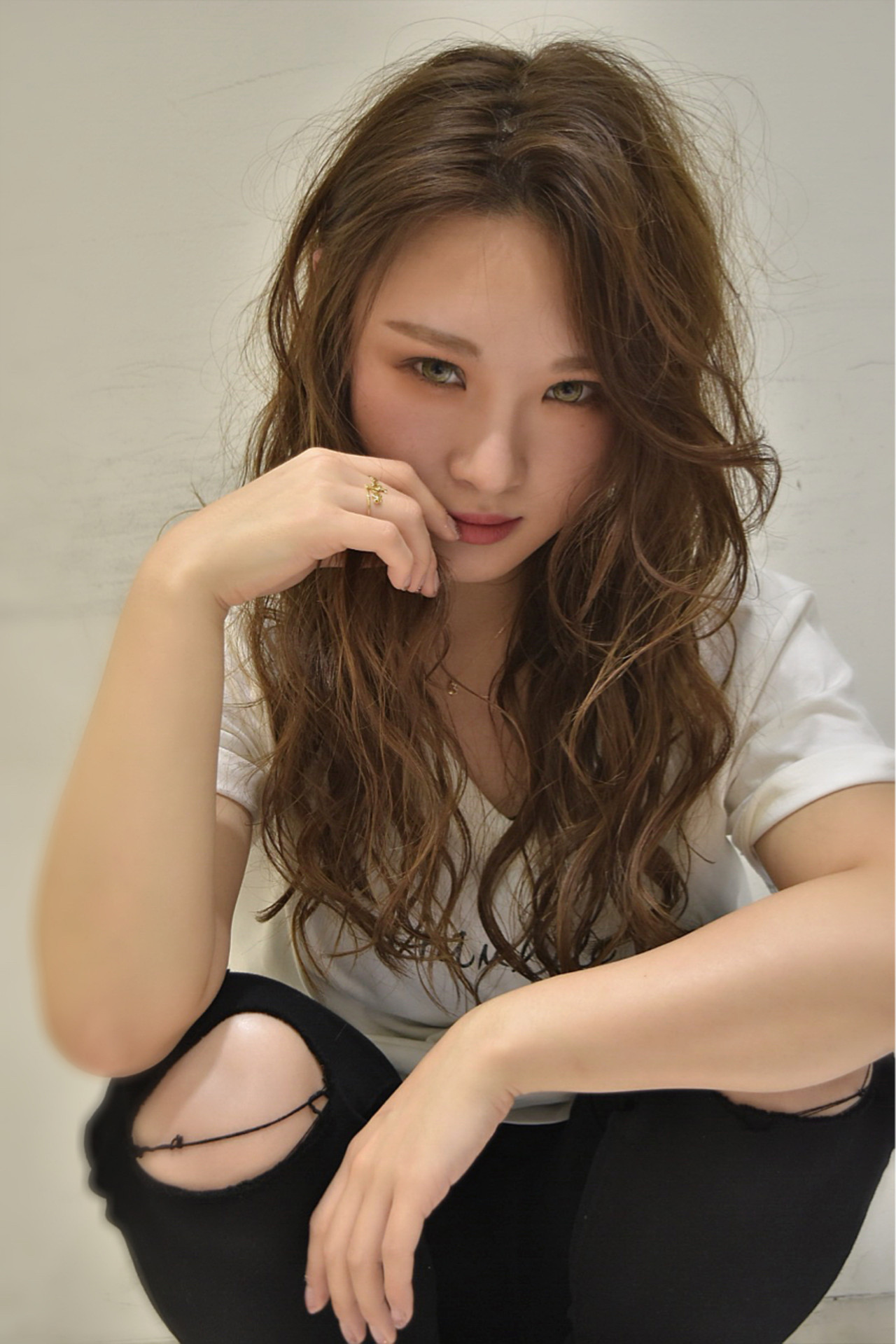 斜め前髪 パーマ 外国人風 ロング ヘアスタイルや髪型の写真・画像
