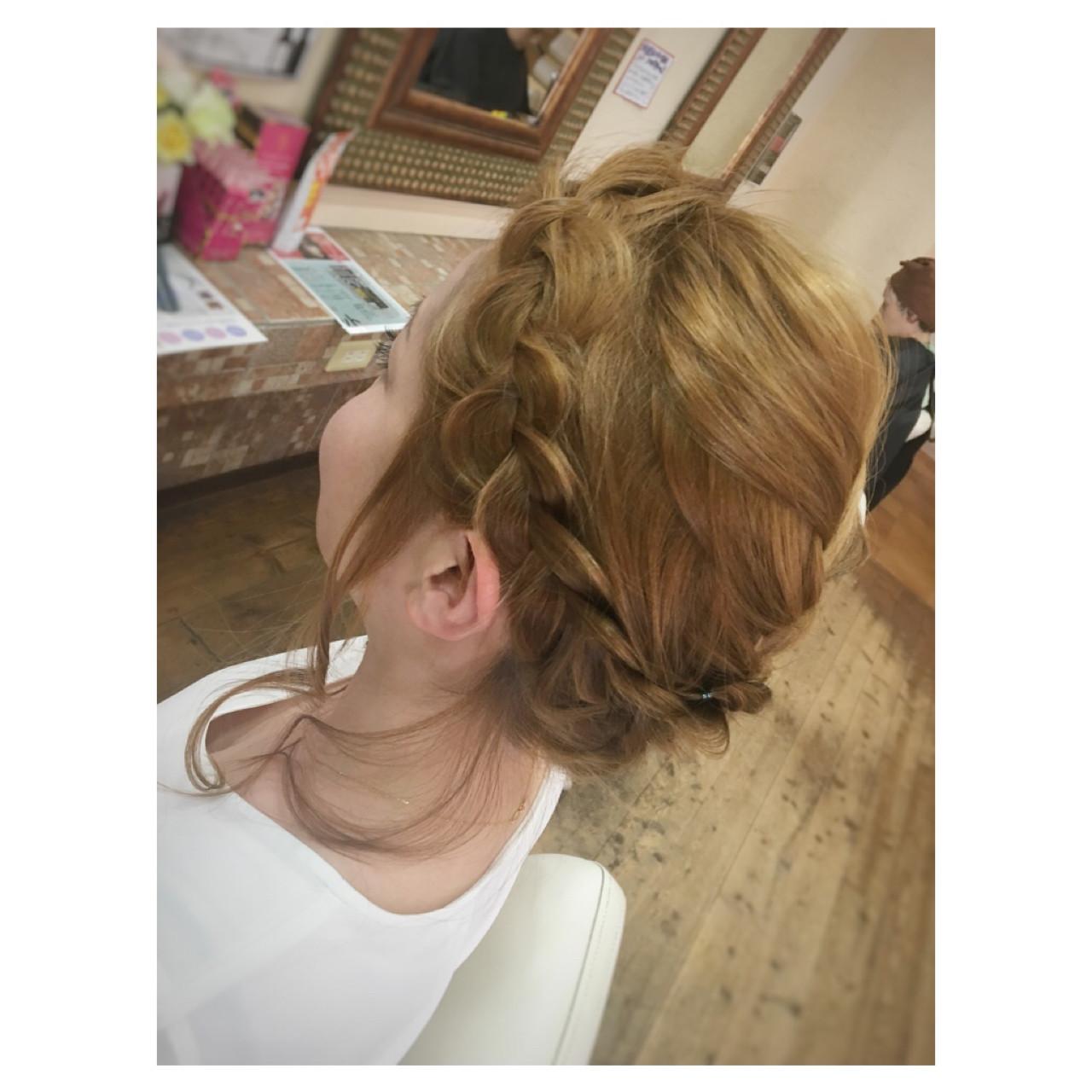 まとめ髪 ミディアム くるりんぱ ヘアアレンジ ヘアスタイルや髪型の写真・画像