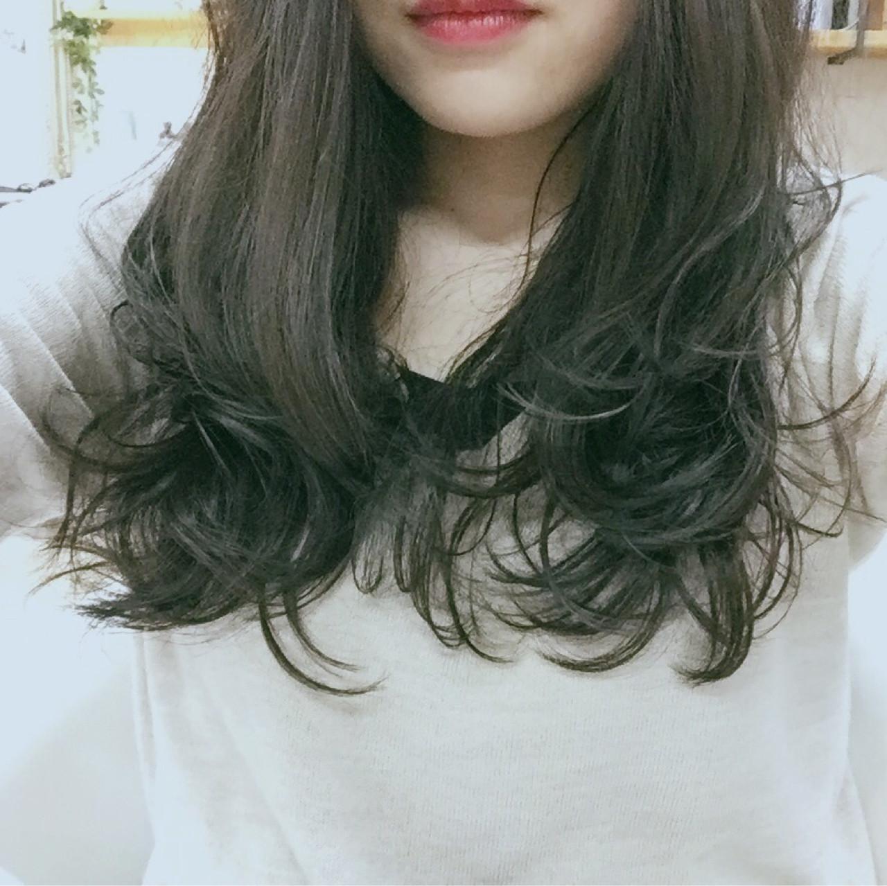 デジタルパーマ パーマ 暗髪 セミロング ヘアスタイルや髪型の写真・画像