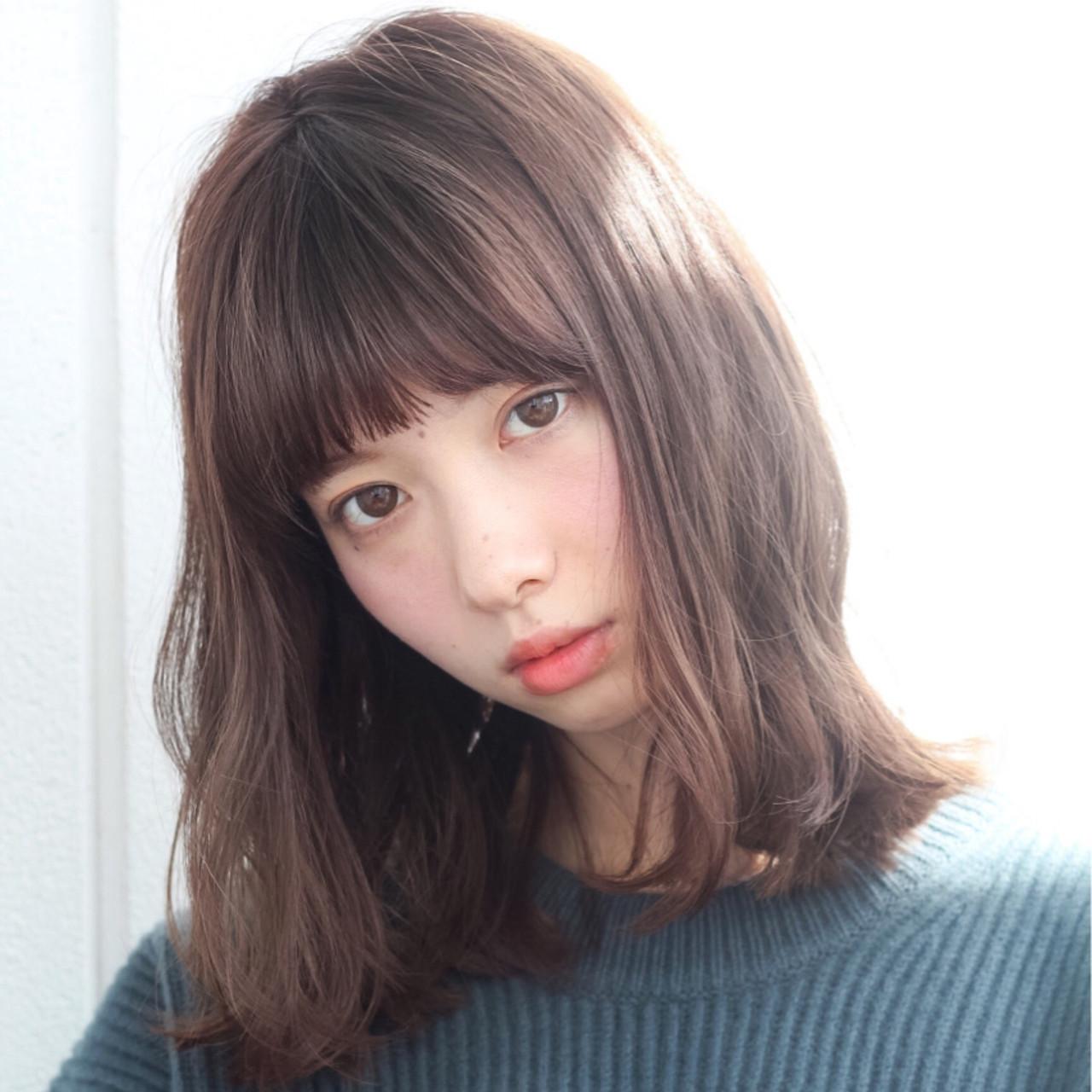 前髪ありで大人カワイイを目指す♡種類別ミディアムヘアスタイル10選