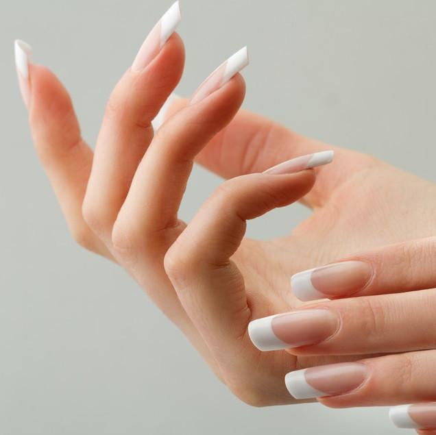爪を傷めずキレイに落とす!ジェルネイルをセルフで正しくオフする方法
