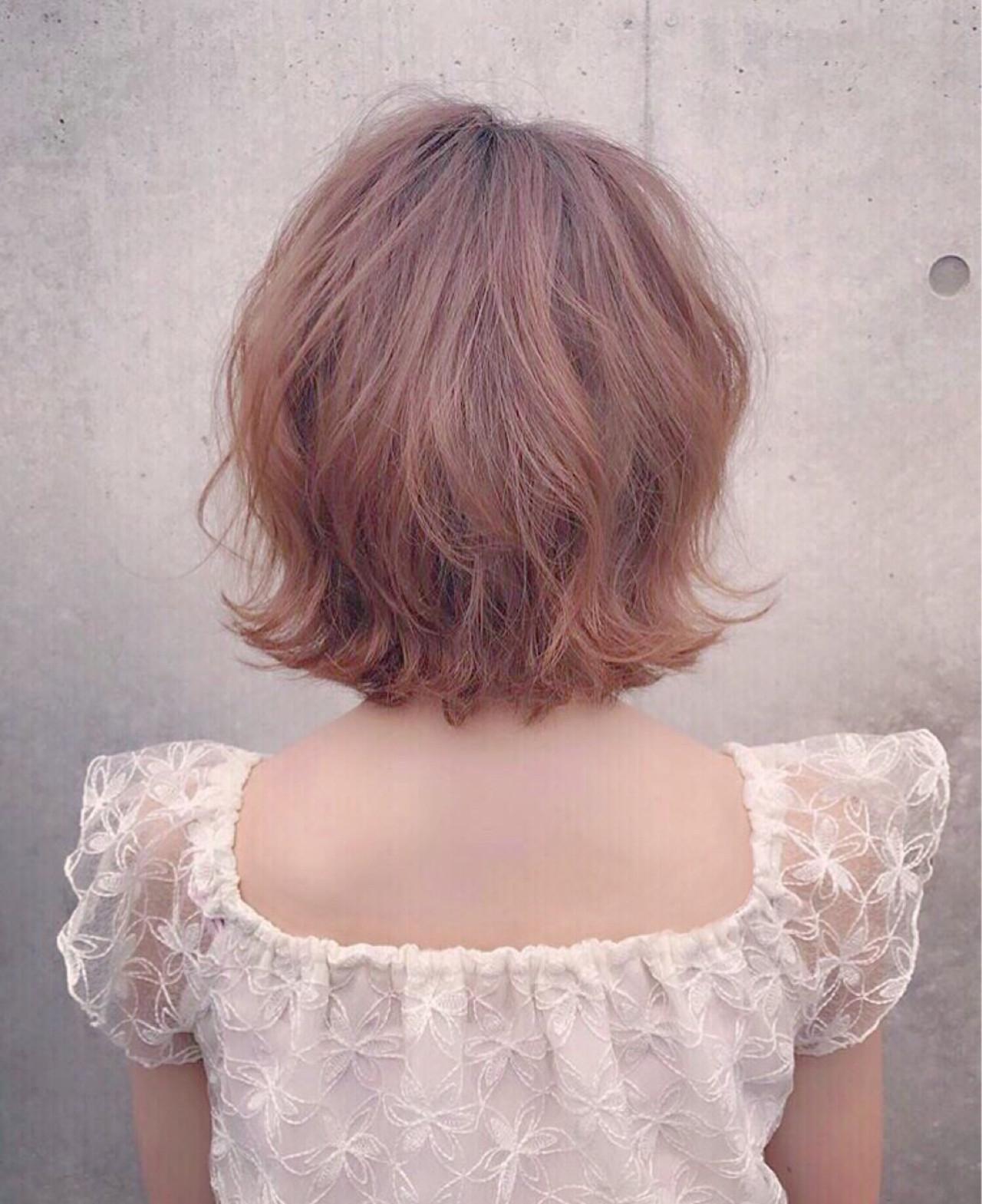 フェミニンな髪色でモテを目指す!ピンクアッシュでつくるスウィートヘア たかぎあやの