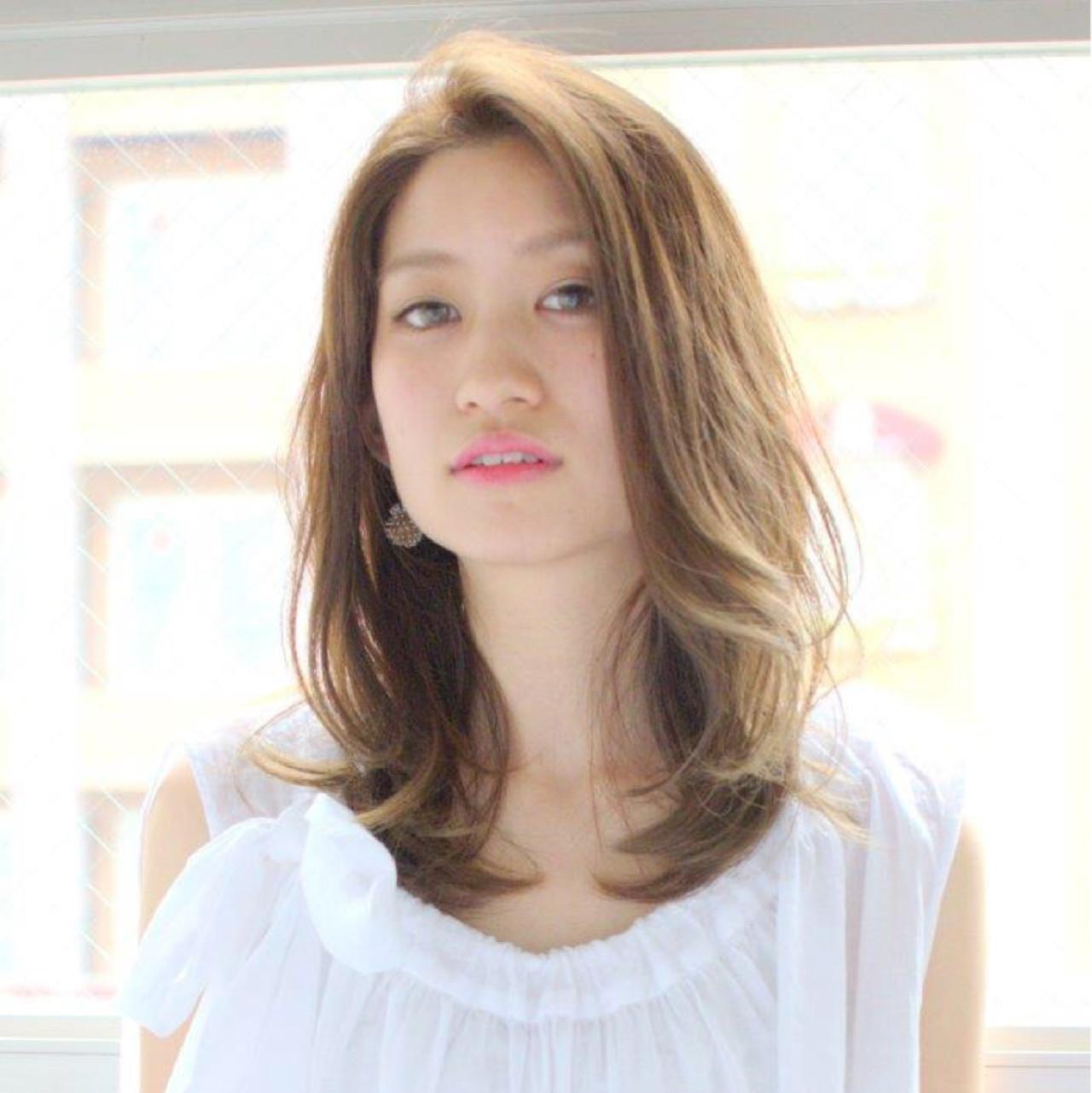 ナチュラル 斜め前髪 パーマ デート ヘアスタイルや髪型の写真・画像