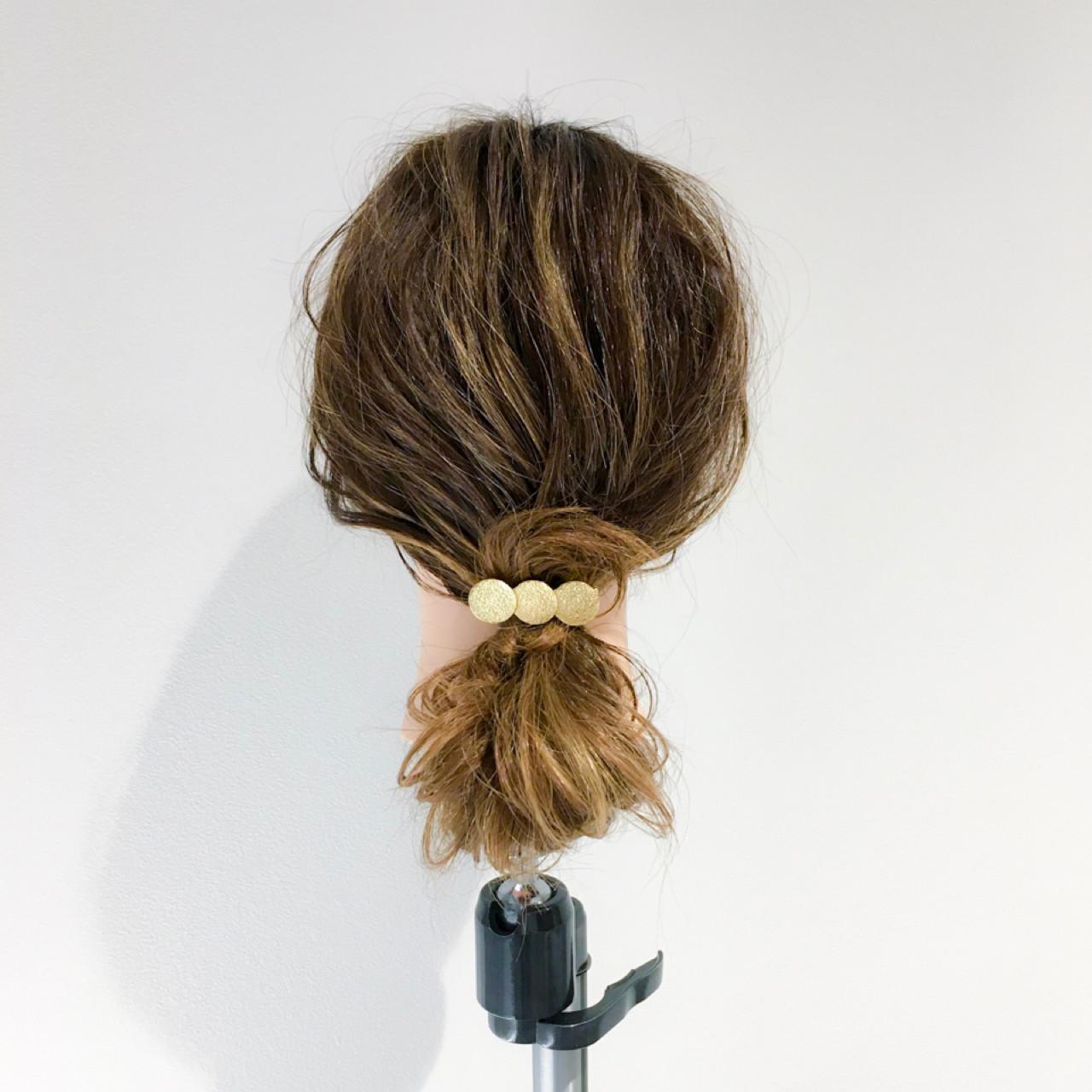 セミロング リラックス オフィス アウトドア ヘアスタイルや髪型の写真・画像