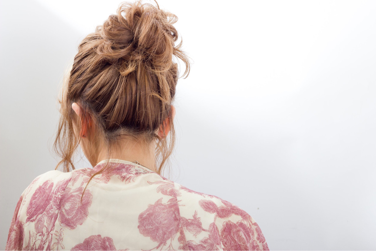 ヘアアレンジ ミディアム リラックス お団子 ヘアスタイルや髪型の写真・画像