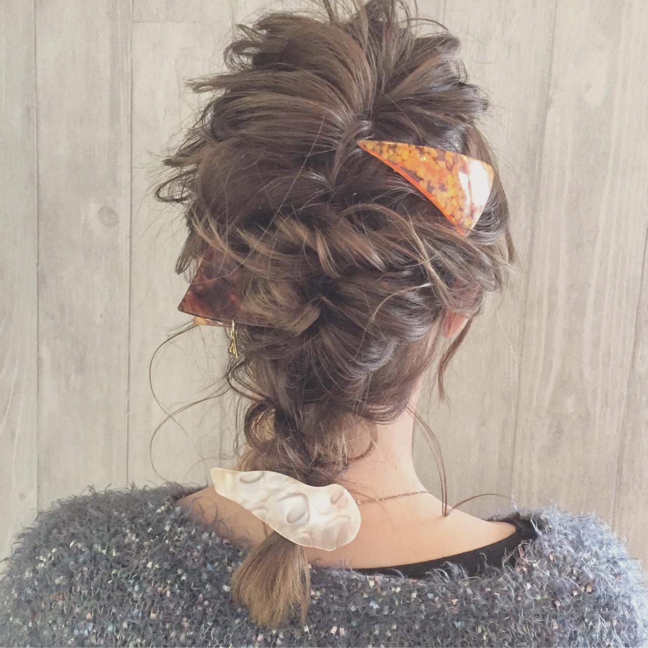 簡単なのに超かわいい♡くるりんぱを使った女子力高めな髪型アレンジ 宮田 恵里香  igloo