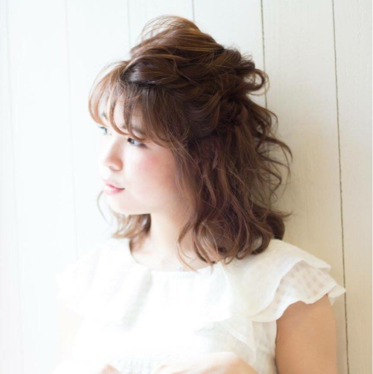 結婚式 ミディアム ガーリー ヘアアレンジ ヘアスタイルや髪型の写真・画像
